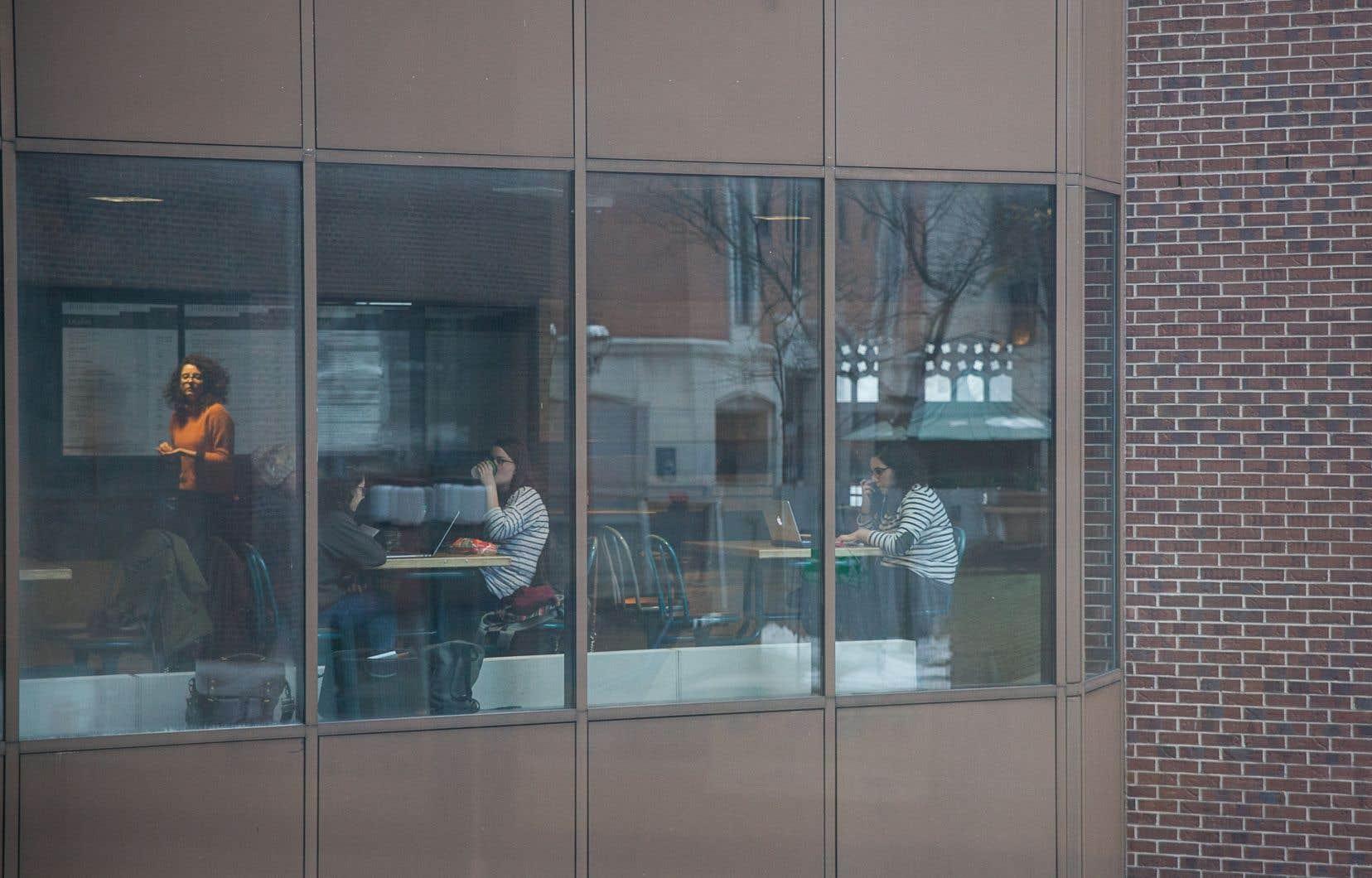 Avec le projet de loi 151, visant à prévenir et à combattre les violences à caractère sexuel dans les établissements d'enseignement supérieur, le président de l'Union étudiante du Québec parle d'une «prise de conscience collective».