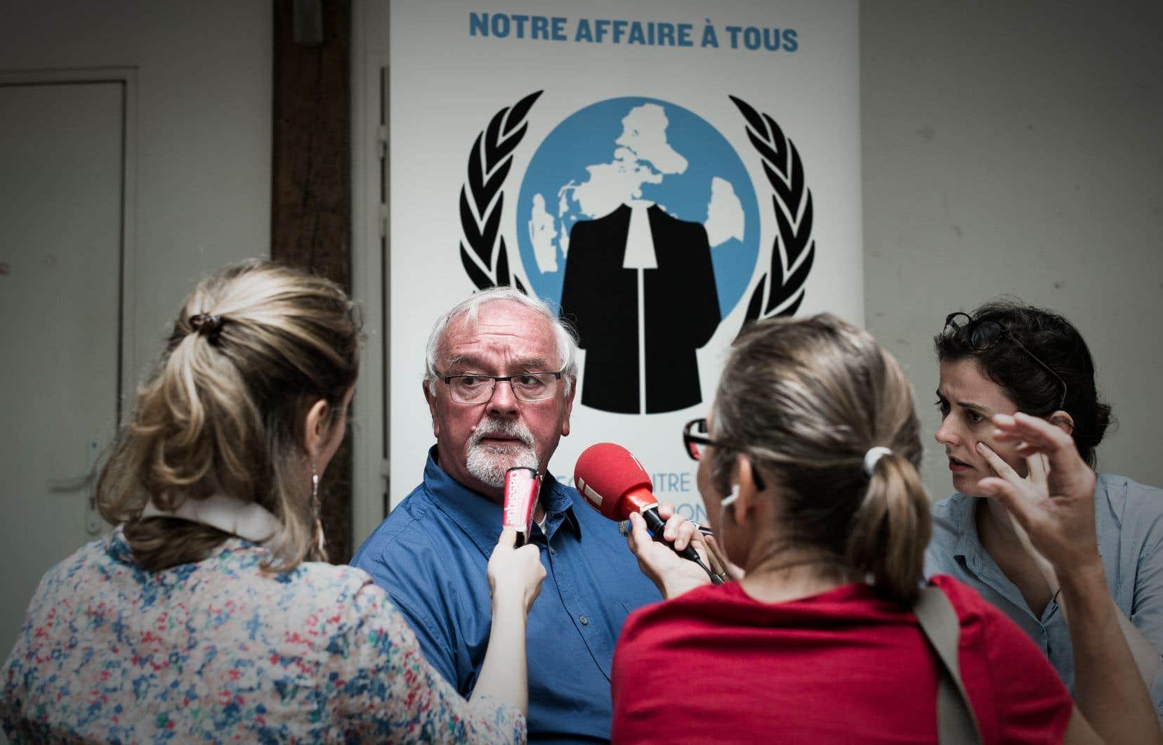 Maurice Feschet, producteur de lavande, fait partie de la trentaine de personnes associées à cette plainte contre le Conseil et le Parlement européens.