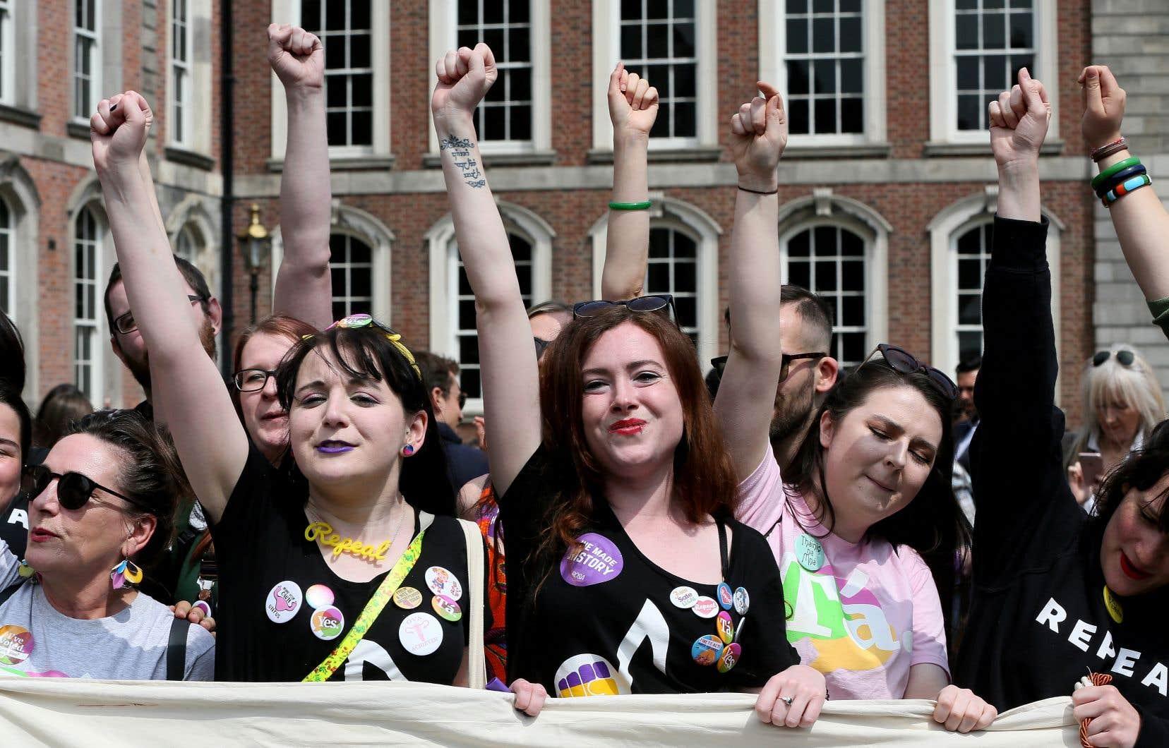 «Le vote pour le oui montre un immense désir de changement que personne n'avait prévu», a analysé l'«Irish Times».