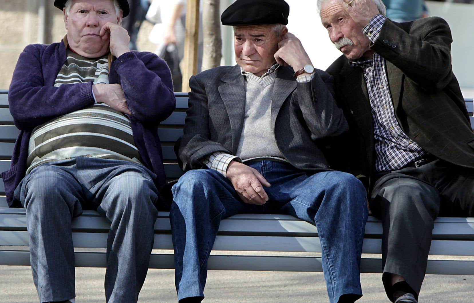 Il manque des informations de base permettant de se faire une idée juste sur des pans entiers de la réalité concernant le financement des retraites, déplorent des chercheurs.