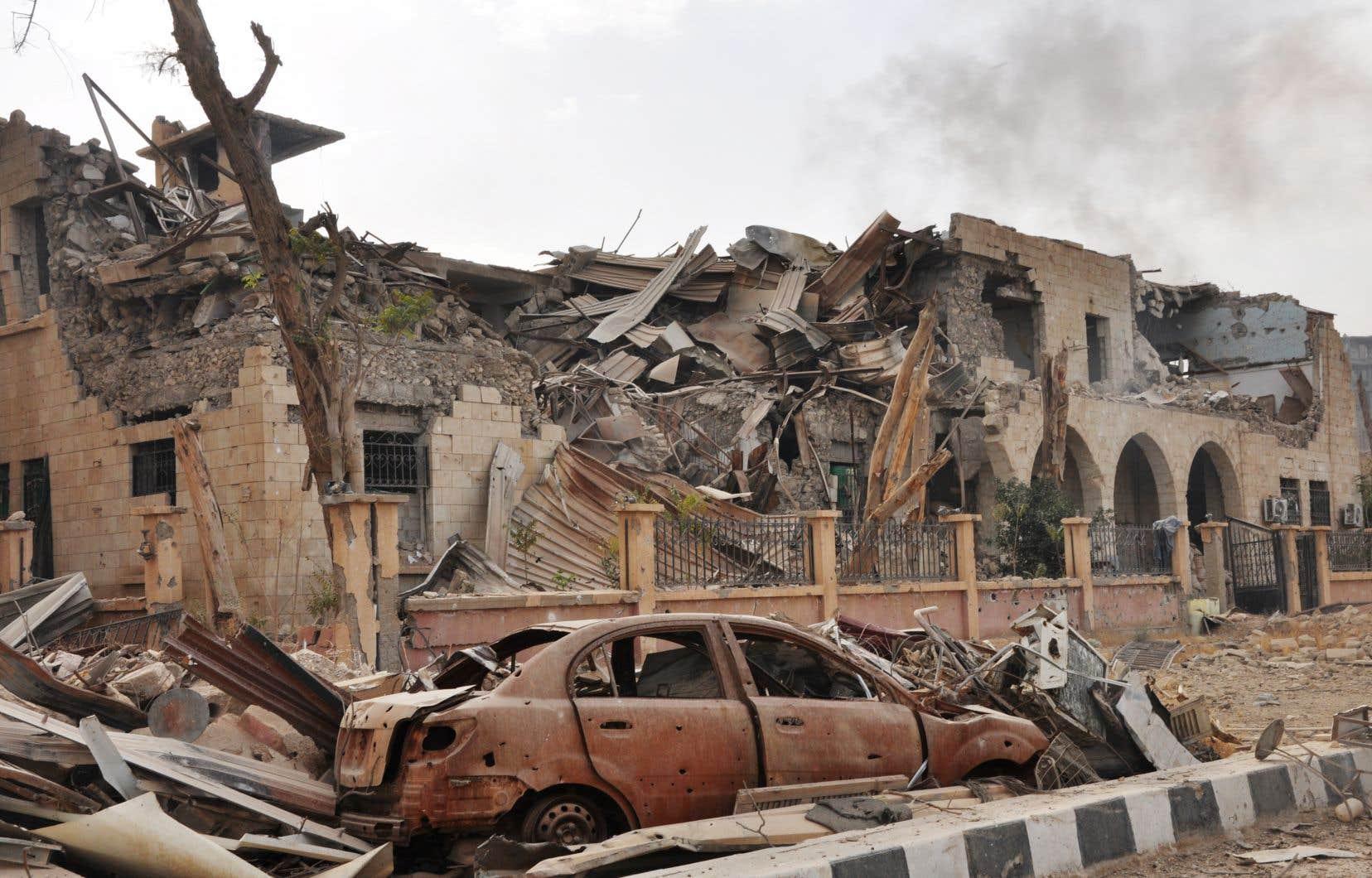 Des immeubles endommagés dans la province de Deir Ezzor, en Syrie, en novembre dernier