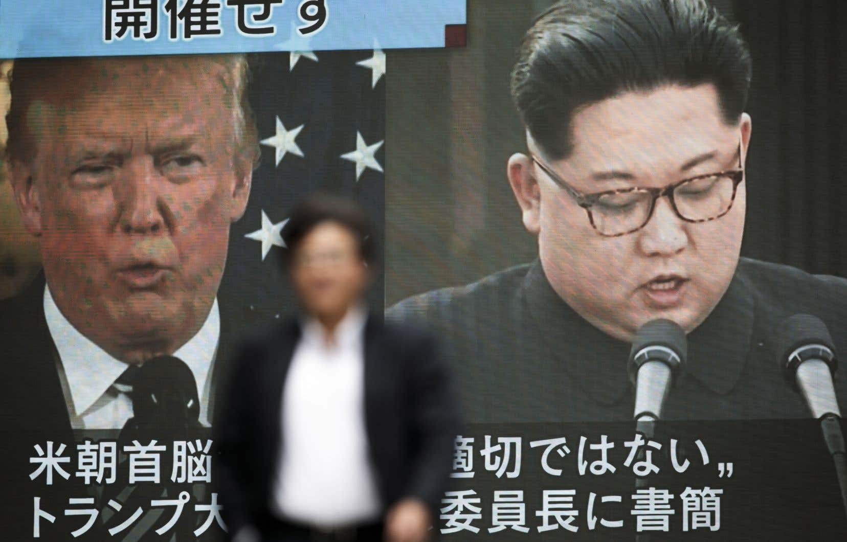 «J'estime véritablement que la Corée du Nord à un brillant potentiel et sera une grande nation économique et financière un jour. Kim Jong-un est d'accord avec moi là-dessus. Cela arrivera!»a écrit le président américain sur Twitter.