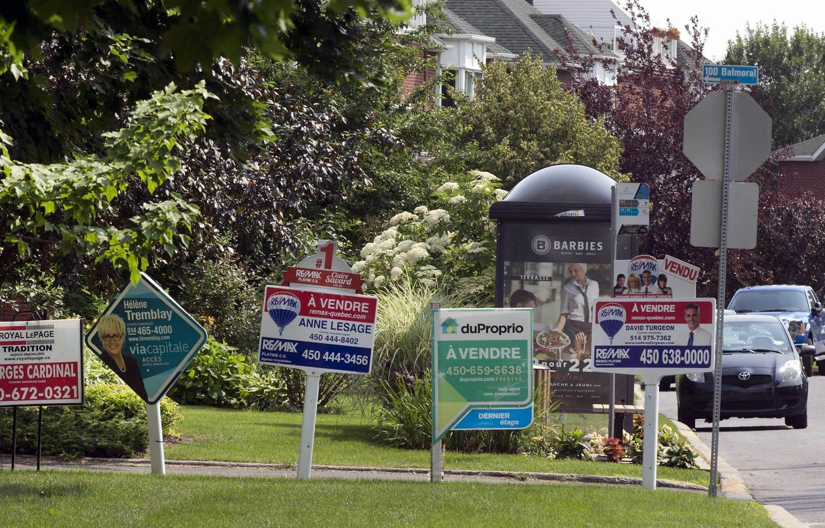 La Fédération des chambres immobilières du Québec (FCIQ) parle au nom de 13000 courtiers immobiliers qui se mobilisent alors que l'étude en commission parlementaire a repris mardi.