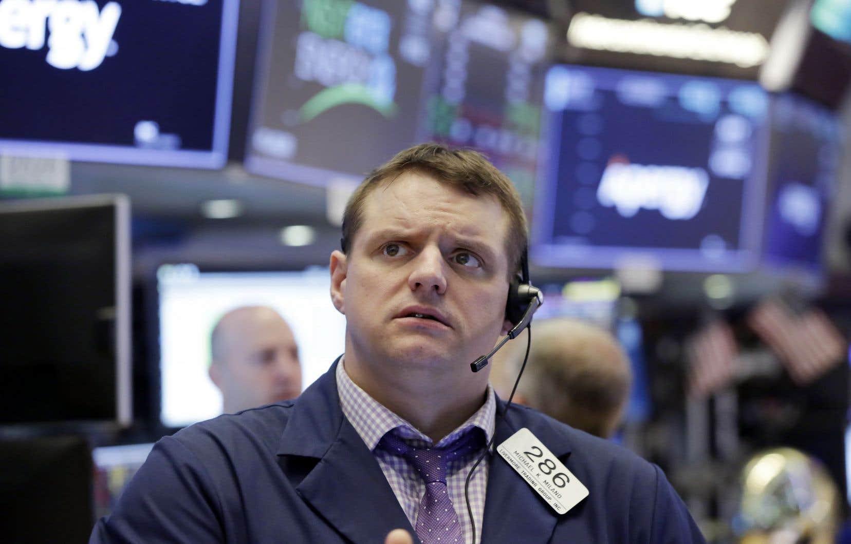 La Bourse de New York a également été ébranlée mardi par les effets de la crise politique italienne.