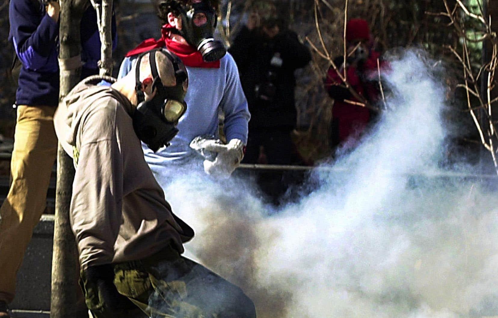 Le Sommet des Amériques, tenu à Québec en 2001, avait été marqué par plusieurs affrontements entre la police et des manifestants.