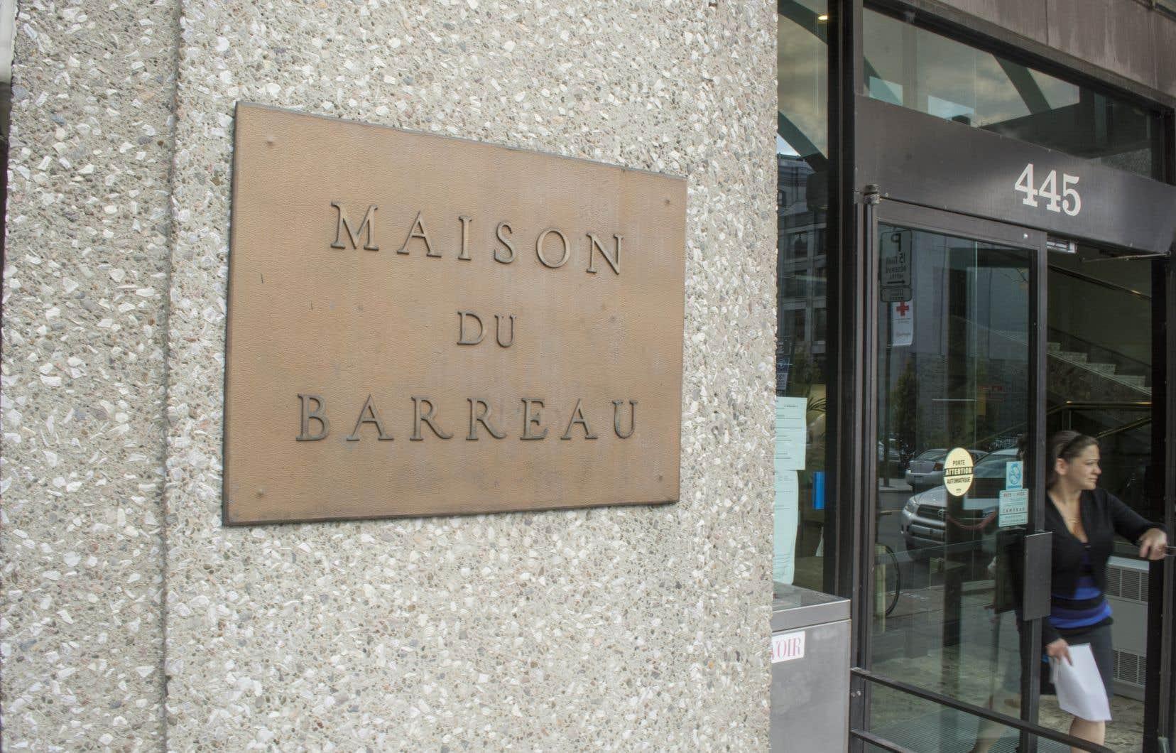 En début de semaine, le Bâtonnier du Québec a proposé la suspension du recours, et suggéré à la Ministre de la Justice et à l'Assemblée nationale un règlement hors cour.