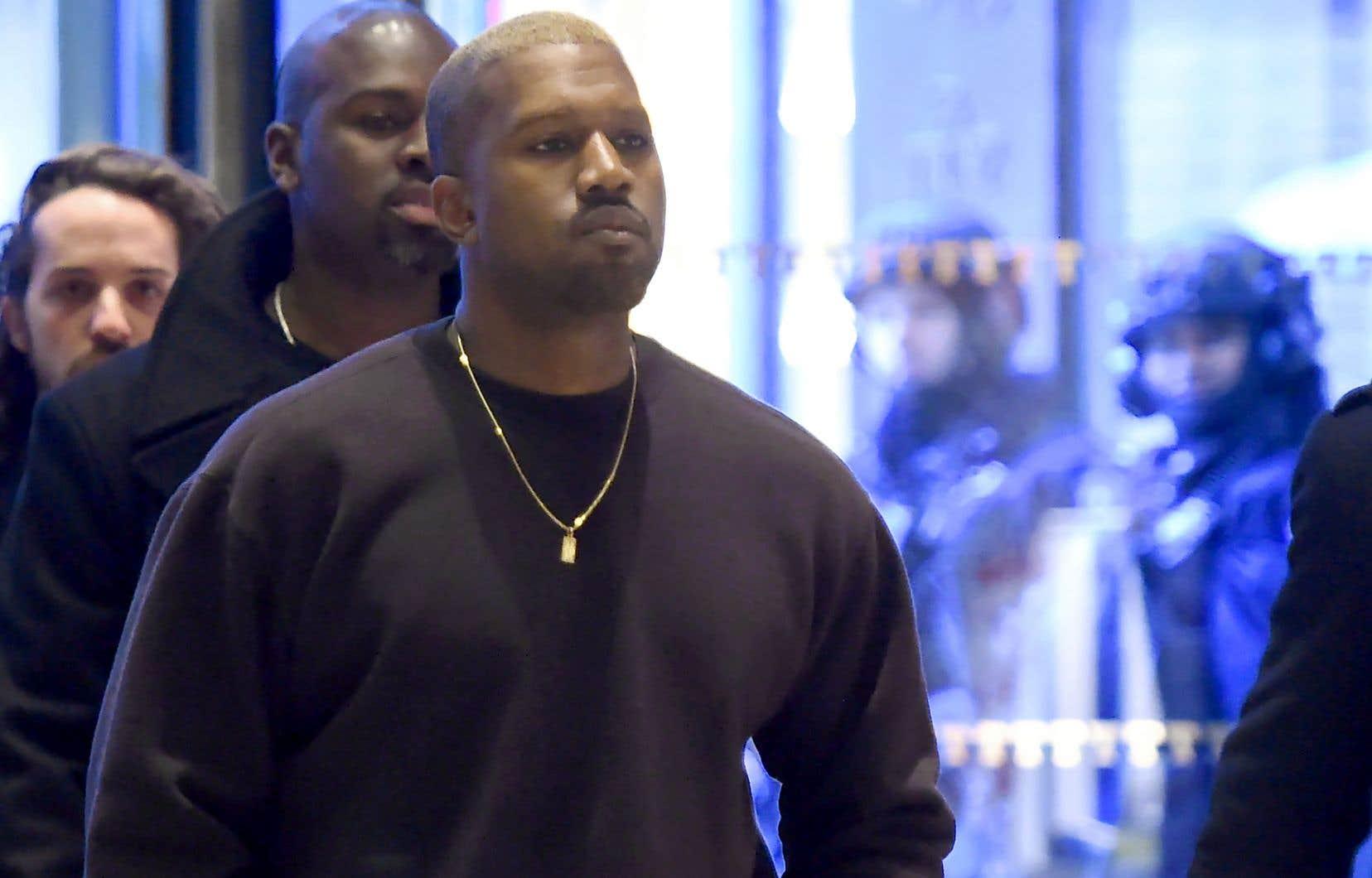 Kanye West a fait l'objet de vives critiques du public récemment, notamment pour avoir associé l'esclavagisme en Amérique à un choix des populations noires.