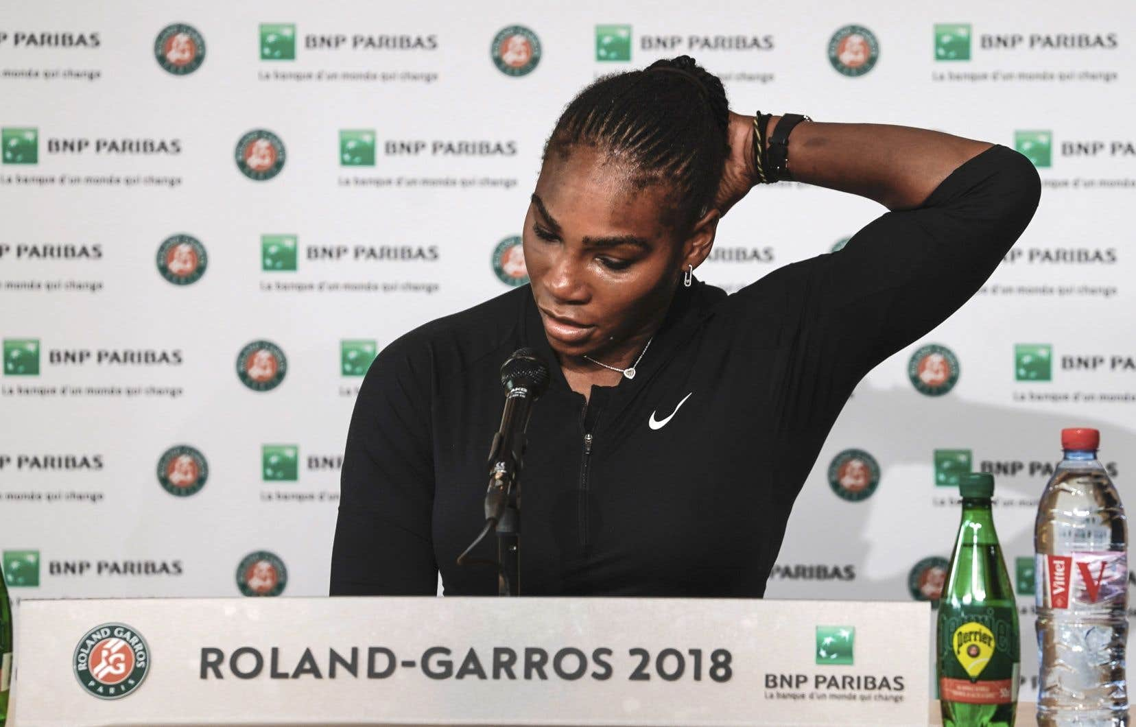 Williams, détentrice de 23 titres en simple féminin de tournois du Grand Chelem, s'est retirée de la compétition en raison d'une blessure à la poitrine.