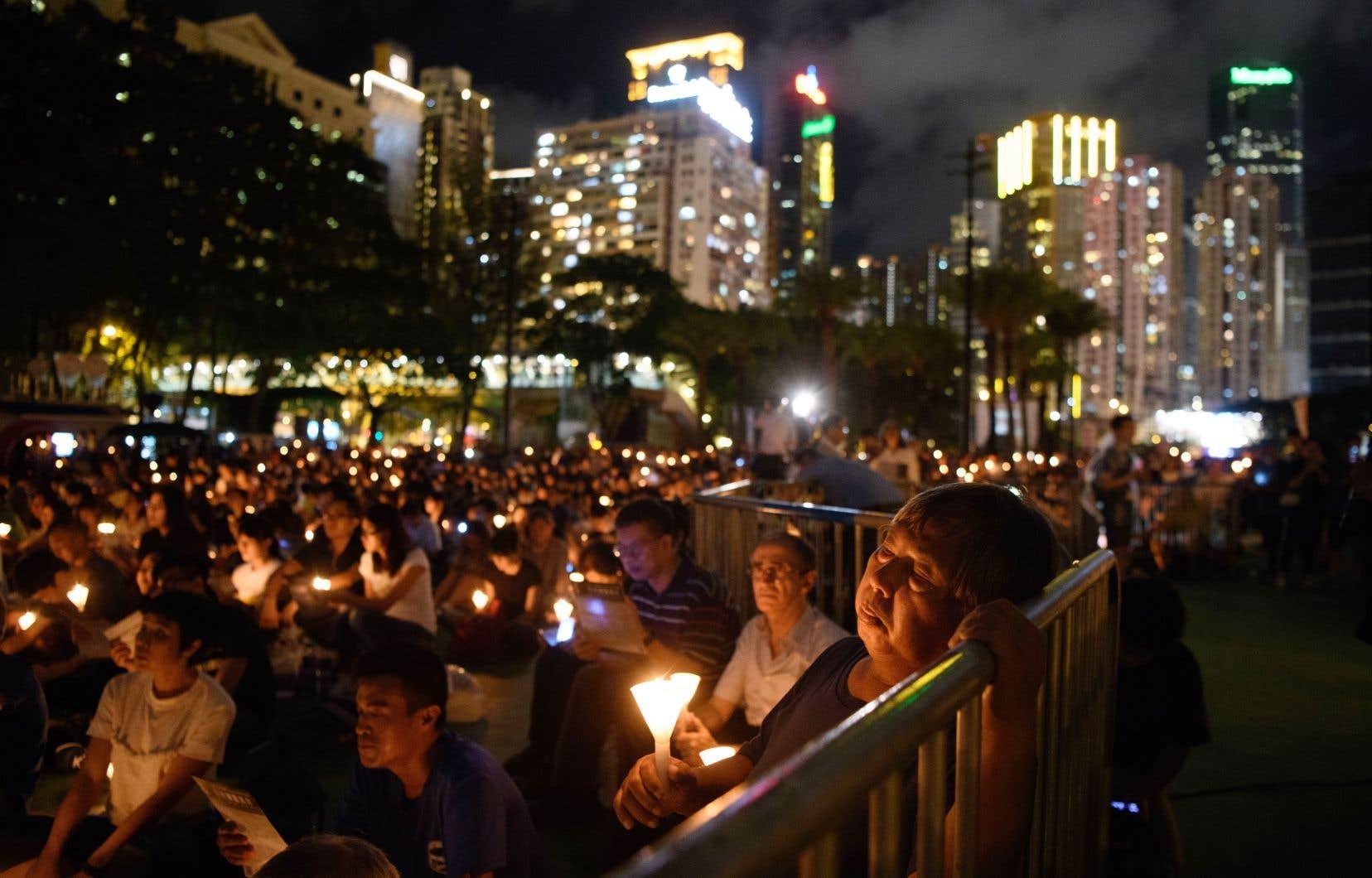Cette manifestation a lieu chaque année depuis 1990 à Victoria Park, dans le centre de Hong Kong.