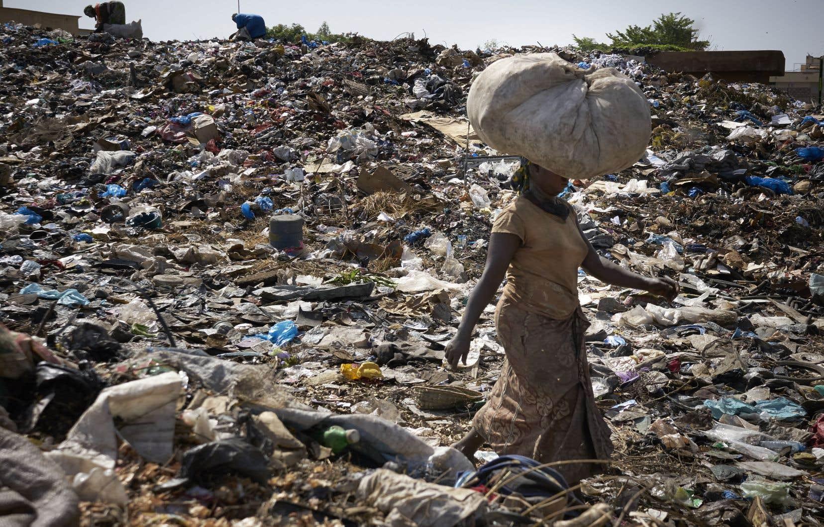 Pourquoi ne pas avoir opté plutôt pour la solidarité humaine et décidé d'aider les pays les plus pauvres, notamment ceux de l'Afrique?