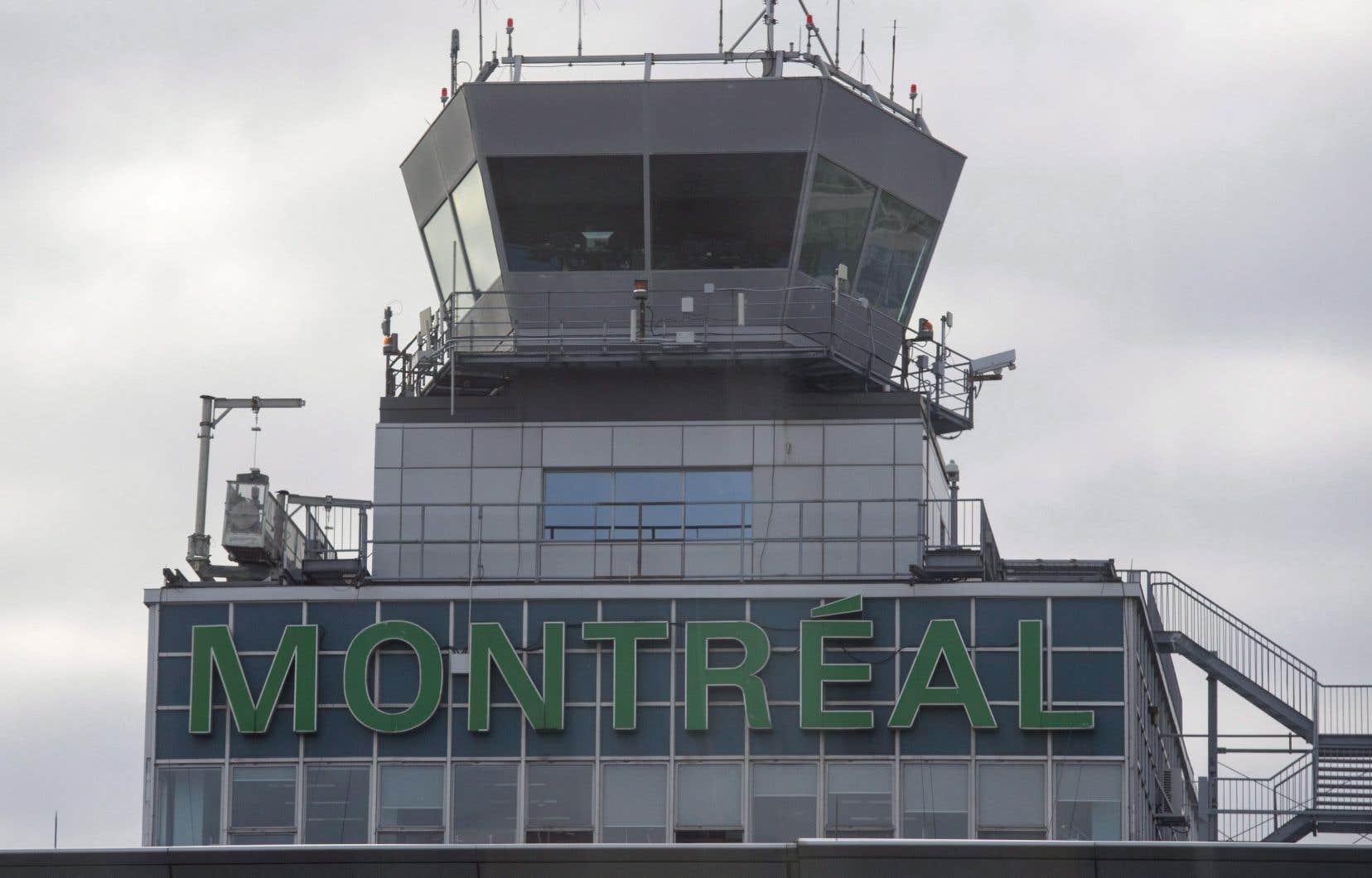 Une analyse publiée par l'Institut C.D. Howe a déjà estimé qu'Ottawa pourrait toucher de 7 à 17milliards en remettant les aéroports du pays entre les mains d'actionnaires privés. L'organisme Aéroports de Montréal (ADM) vaudrait à lui seul entre 1,3 et 2,9milliards.