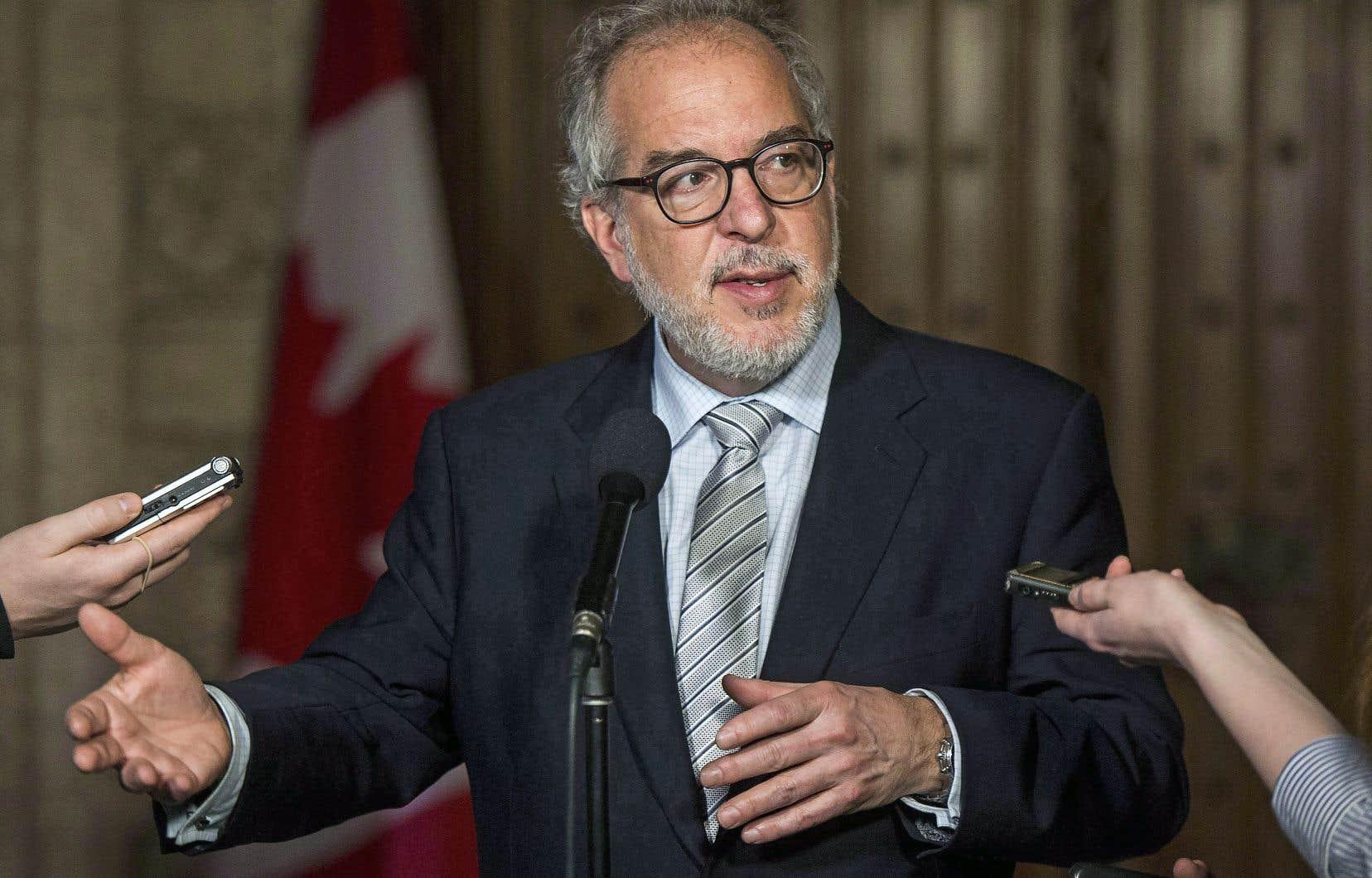 Rhéal Fortin assumera la chefferie du nouveau parti baptisé Québec debout, en attendant un congrès de fondation, lors duquel un chef permanent sera choisi.