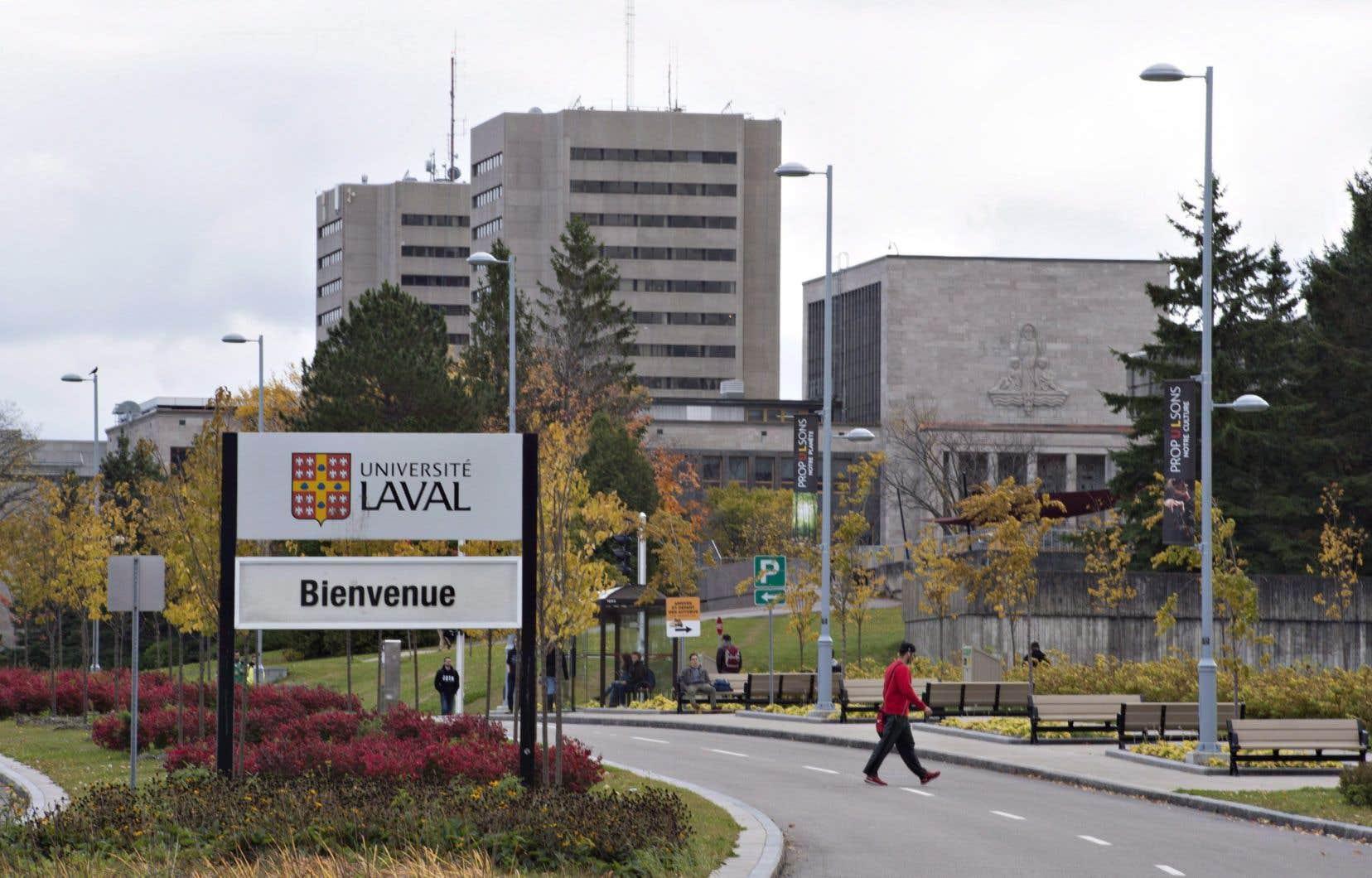 L'Université Laval a aboli les postes de chargés de cours responsables de la supervision des stages en milieu scolaire dans les programmes de formation des enseignants du primaire et du secondaire, au profit d'une supervision à distance.