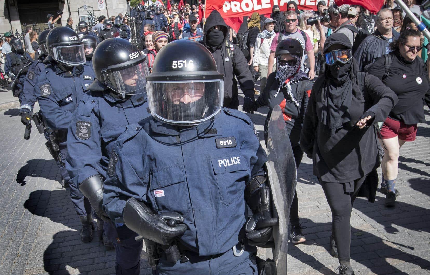 Le SPVQ s'est défendu samedi matin d'avoir effectué des arrestations au cours de la nuit, comme le laissaient entendre les rumeurs.