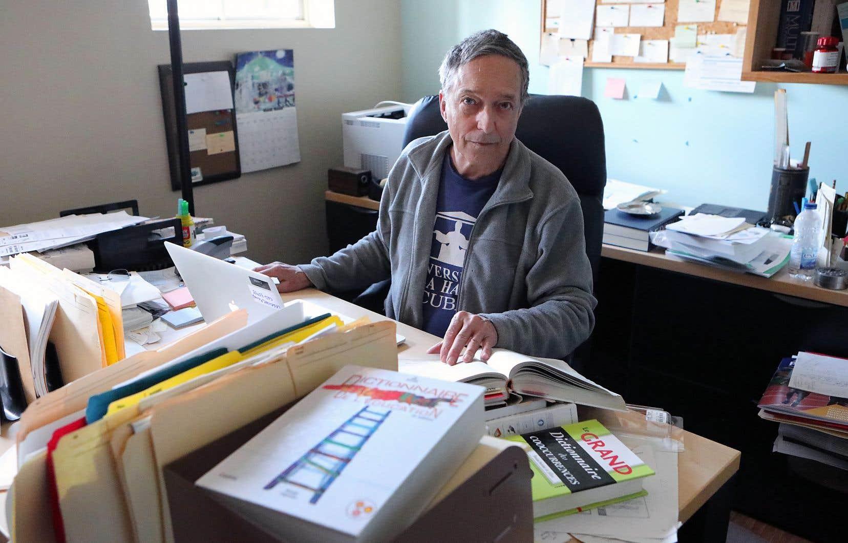 À 76ans, Renald Legendre travaille jusqu'à 10heures par jour sur cette quatrième édition.