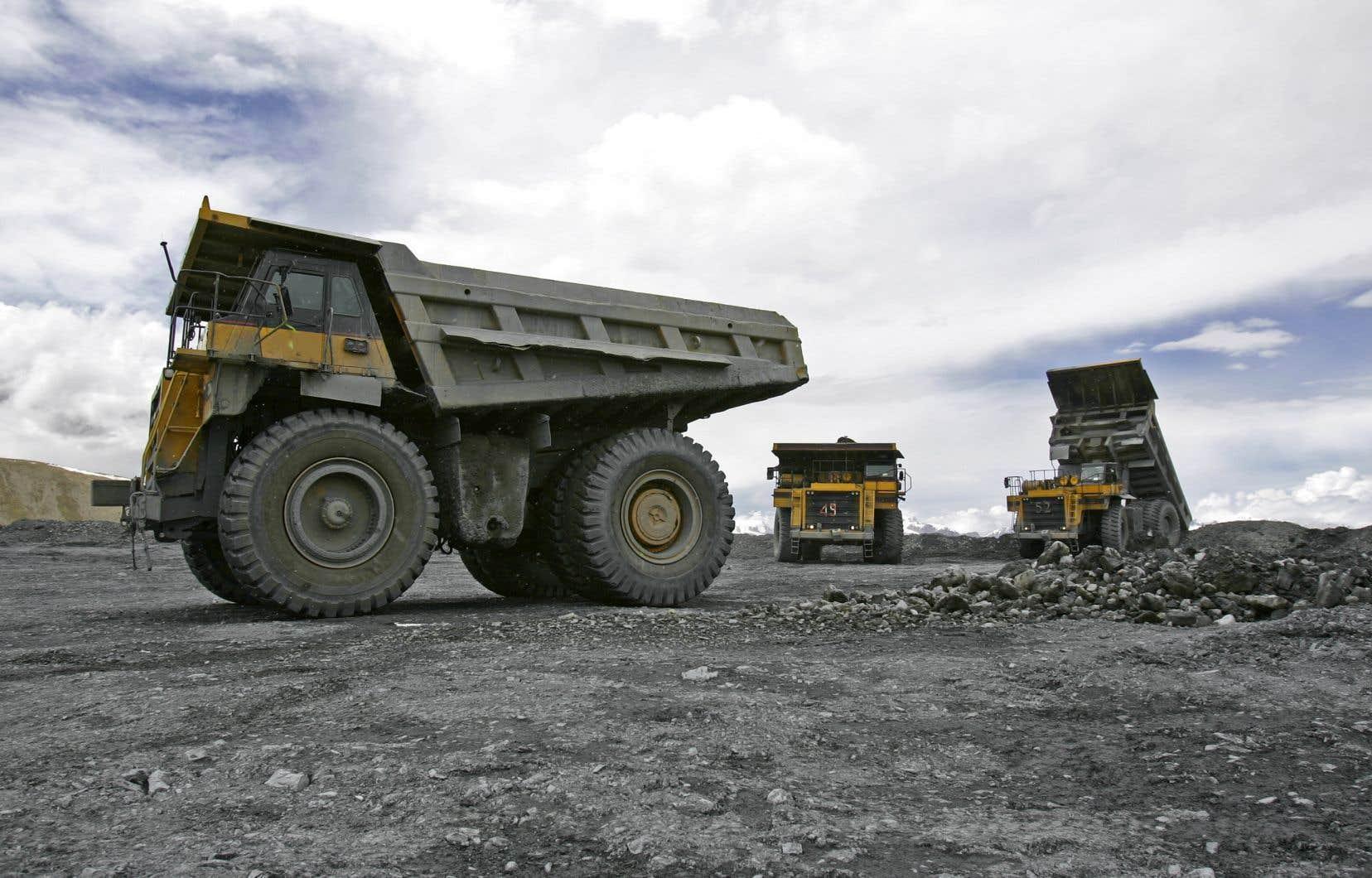 La compagnie en question, Canada Carbon, souhaite développer une mine à ciel ouvert de graphite et de marbre sur le territoire de la municipalité, située dans les Laurentides.
