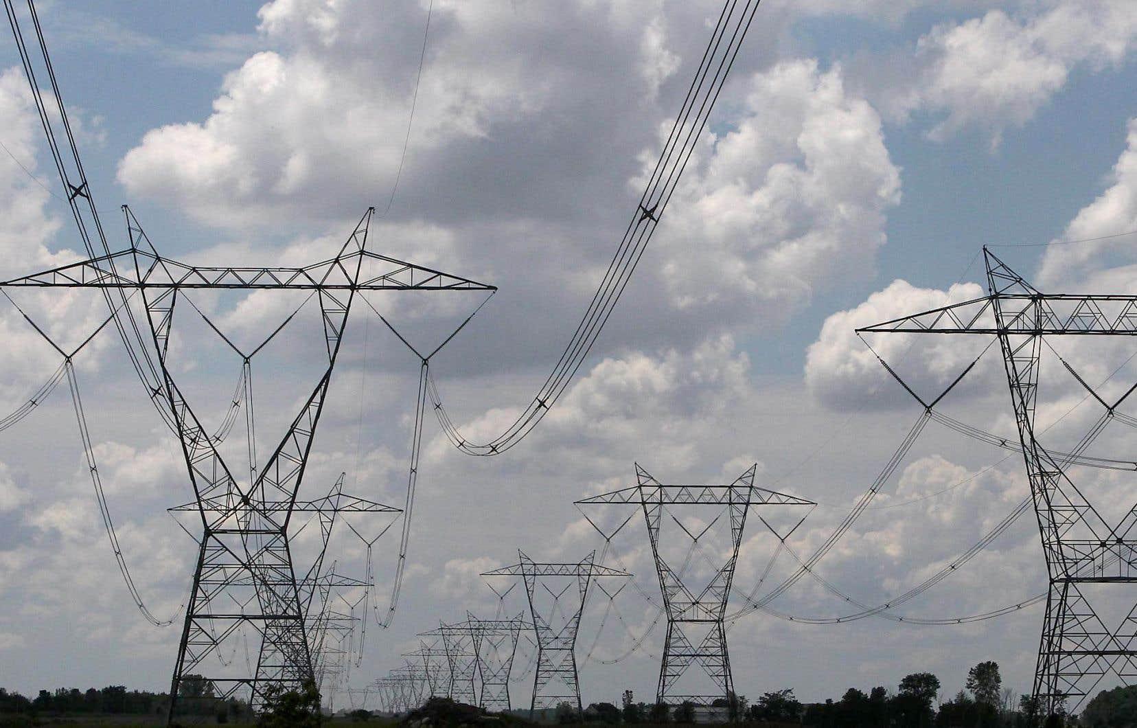 Le gouvernement du Québec espère accélérer l'électrification des transports. Il juge également nécessaire de rehausser l'efficacité énergétique des bâtiments.