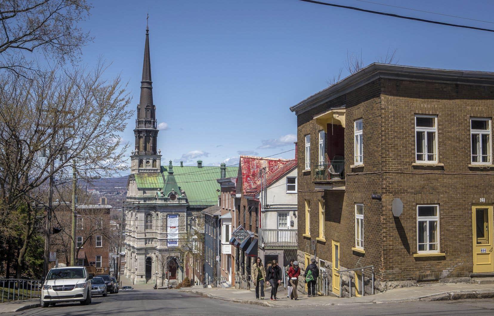 Plus que jamais, il nous incombe de tout faire pour que les belles églises de Québec demeurent des espaces collectifs identitaires, croit l'auteur. Sur la photo, l'église Saint-Jean-Baptiste de Québec, située dans l'arrondissement de La Cité-Limoilou.