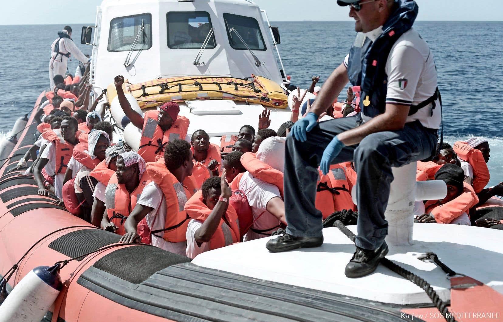Les 629 migrants qui avaient été secourus par l'«Aquarius» ont été transférés dans des navires de la garde côtière italienne.