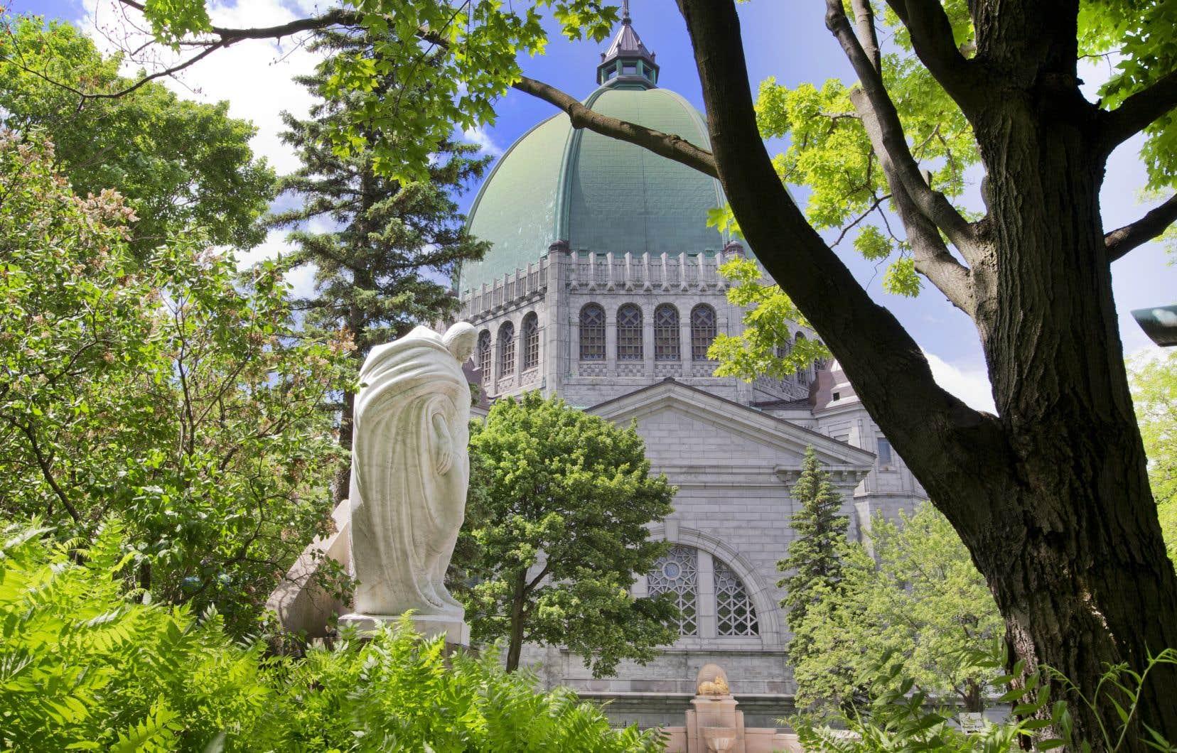 L'oratoire est un des lieux à Montréal les plus fréquentés par les touristes, rappelle l'auteur.