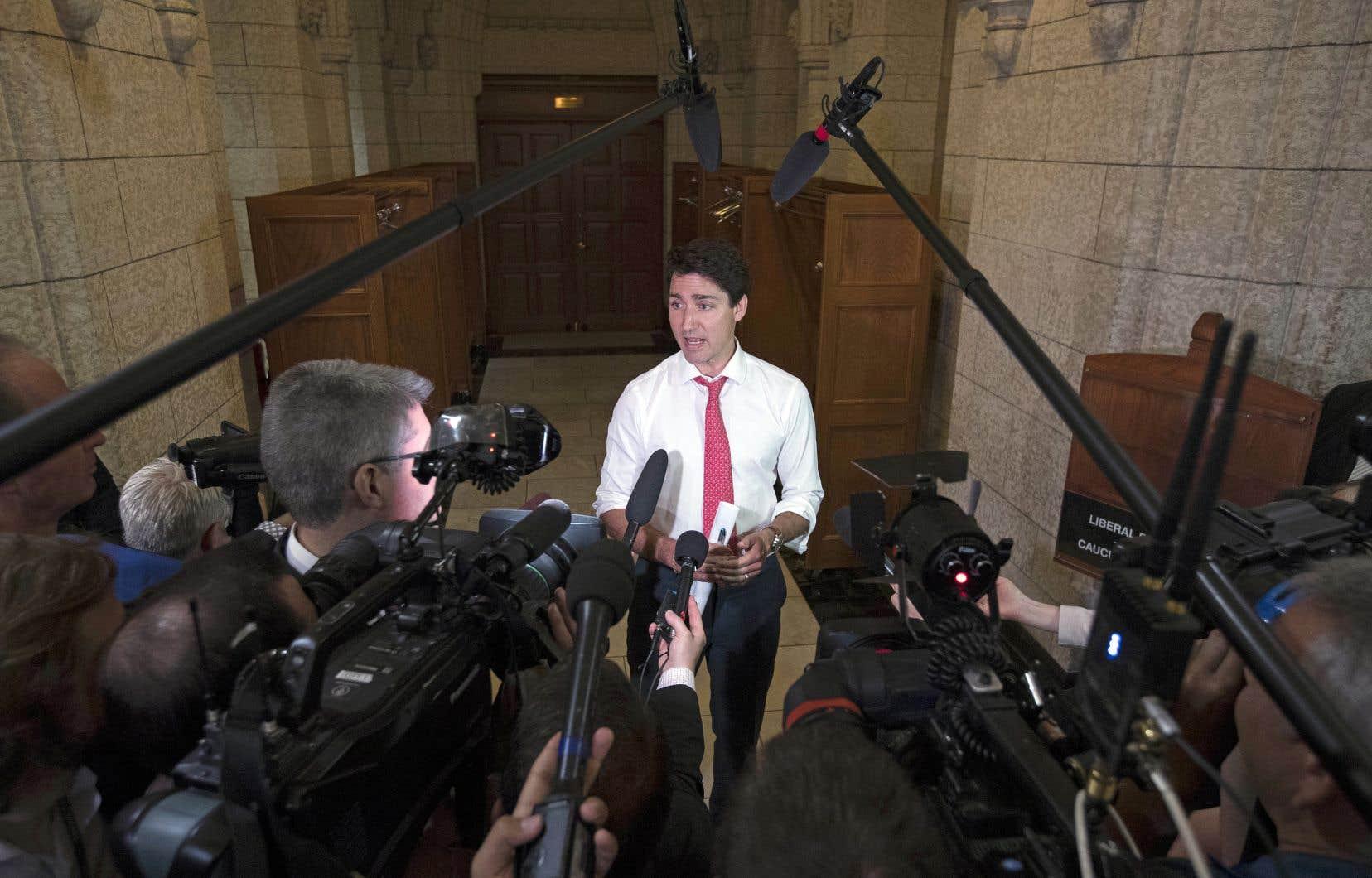 Après des échanges de mots durs entre le premier ministre, Justin Trudeau, et le président américain, Donald Trump, lors du sommet du G7 la semaine dernière, la menace d'une guerre commerciale avec les États-Unis plane.