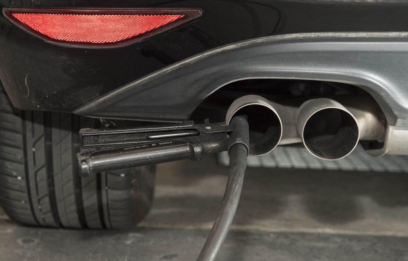 Volkswagen reconnaît avoir truqué 11 millions de véhicules, dont 8,5 millions en Europe et 600 000 aux États-Unis, pour les faire paraître moins polluants qu'ils ne le sont réellement.