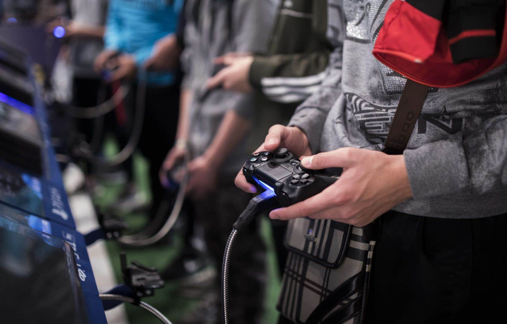 Selon l'OMS, les joueurs compulsifs sont incapables de se détacher de leur ordinateur, appareil mobile ou console de jeu, au point d'abandonner toute vie sociale et de mettre en danger leur santé.