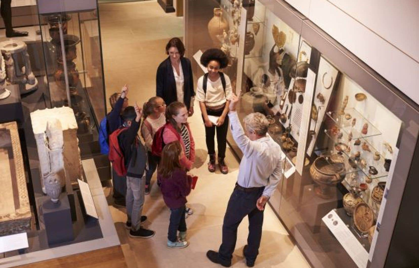 Avec la nouvelle directive du ministre, une sortie au musée dans le cadre d'un cours optionnel en art, par exemple, pourrait être compromise, se désole l'auteur.