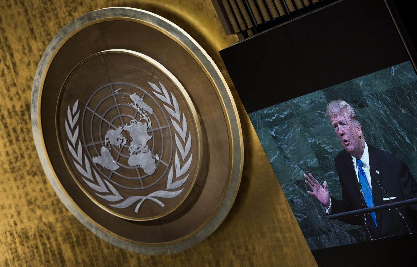 Dans un discours prononcé devant l'Assemblée des Nations unies le 19 septembre 2017, le président des États-Unis, Donald Trump, avait menacé de «détruire totalement» un pays membre de l'organisation, rappelle l'auteur.