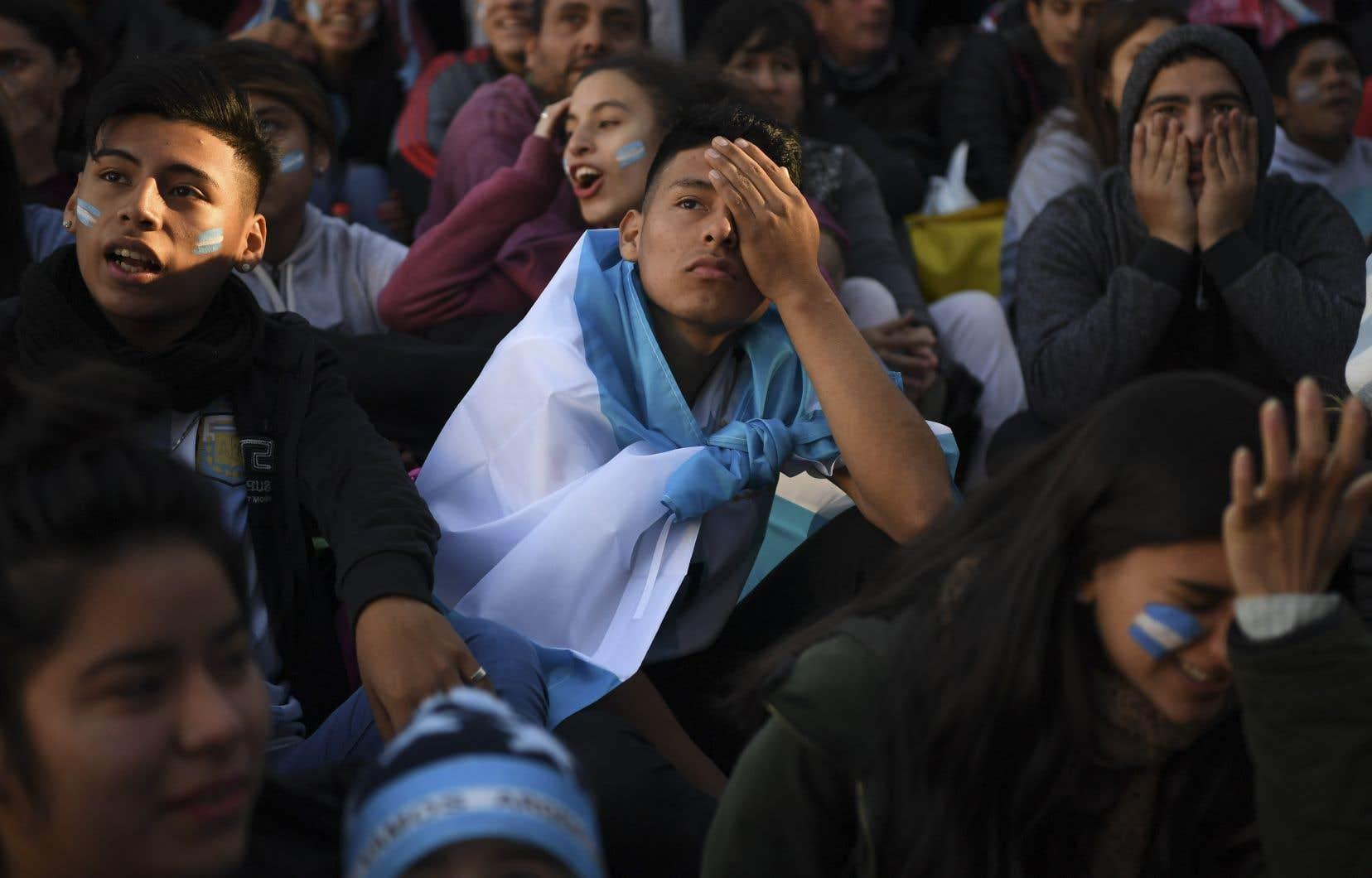 Les partisans de l'équipe d'Argentine pendant le match contre la Croatie