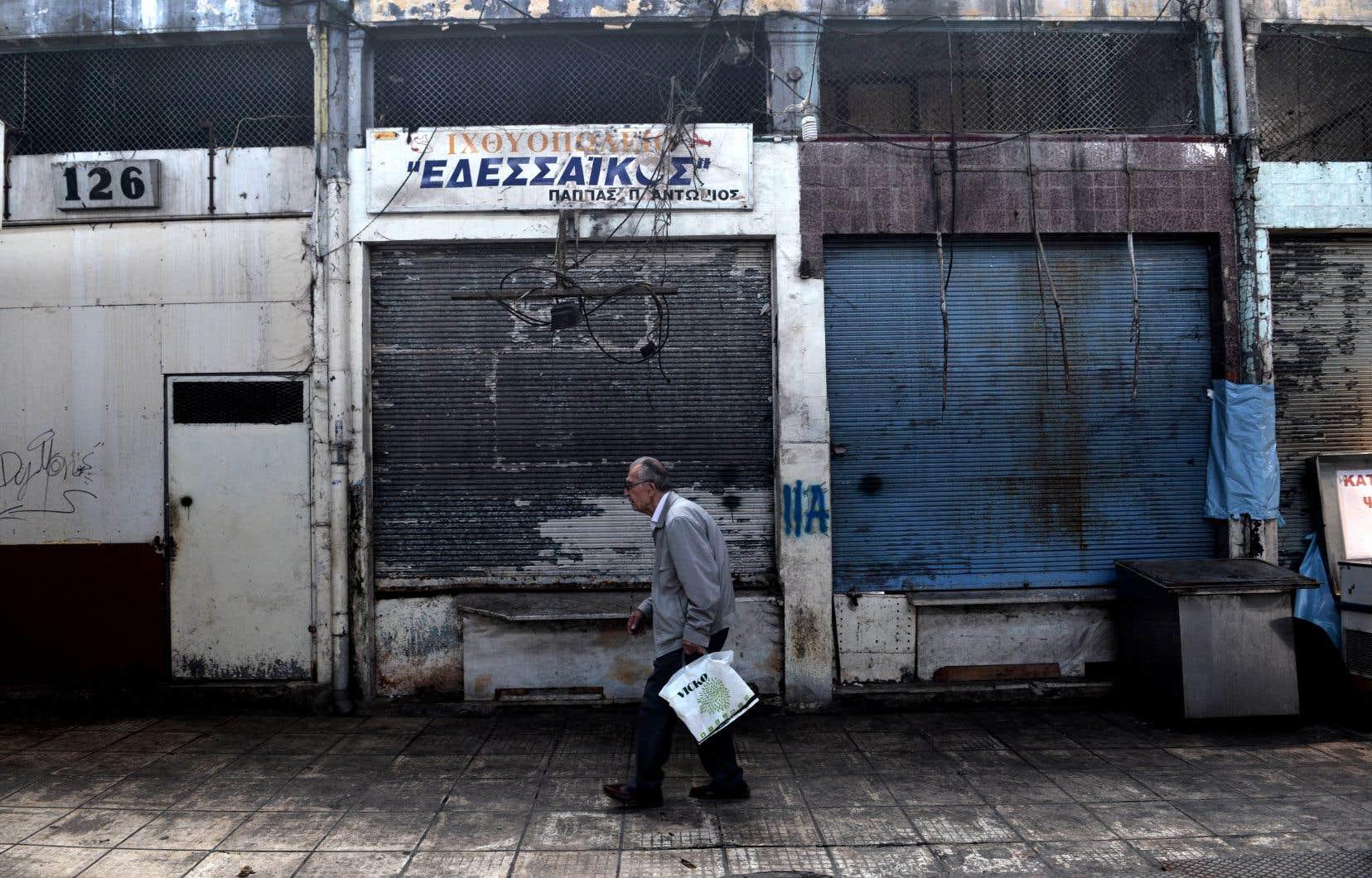 La Grèce bénéficie depuis huit ans de programmes d'aide et de mesures d'allégement de sa dette.