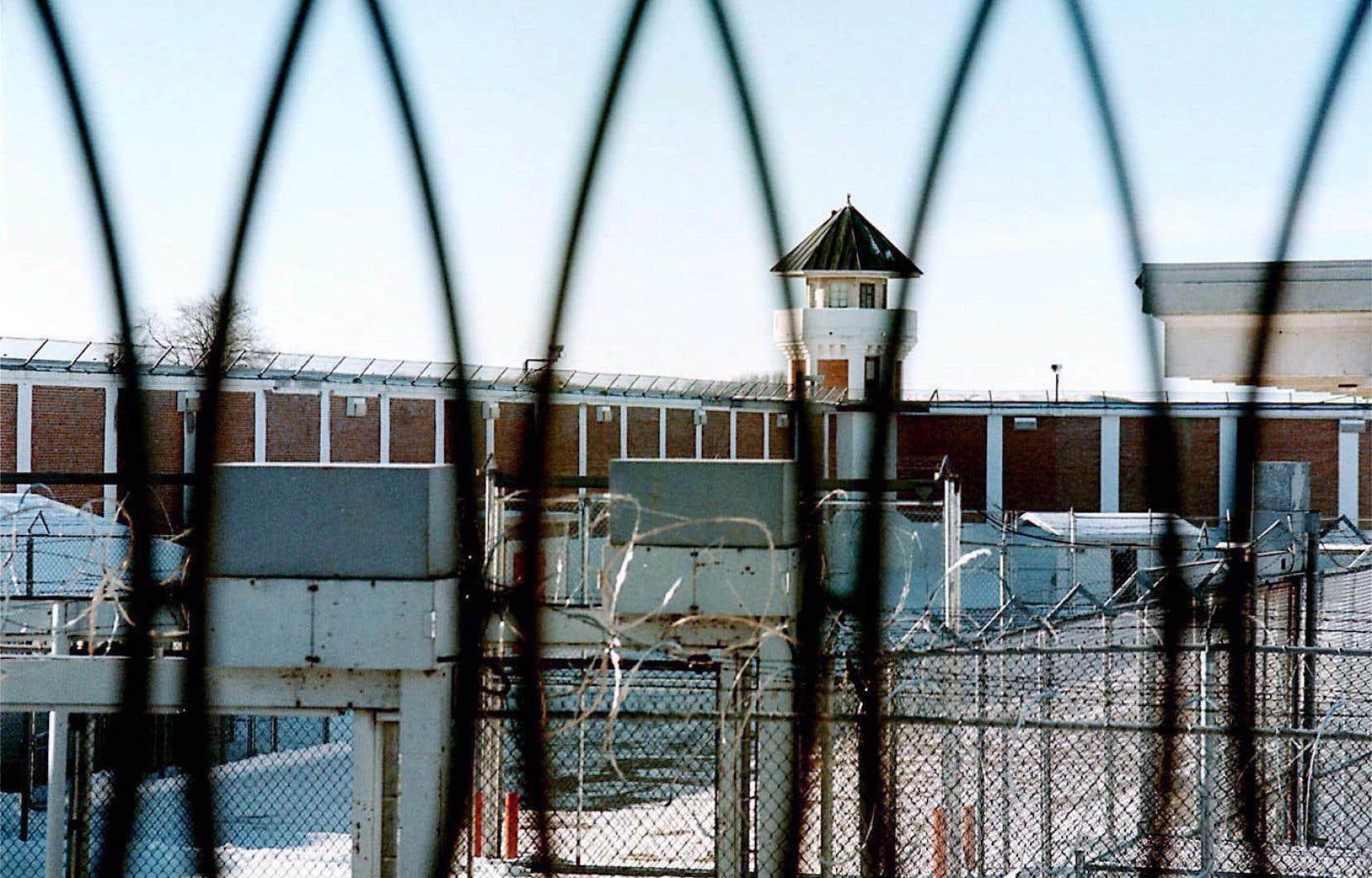C'est en Saskatchewan et au Manitoba que les proportions d'Autochtones d'âge mineur incarcérés sont les plus élevées.