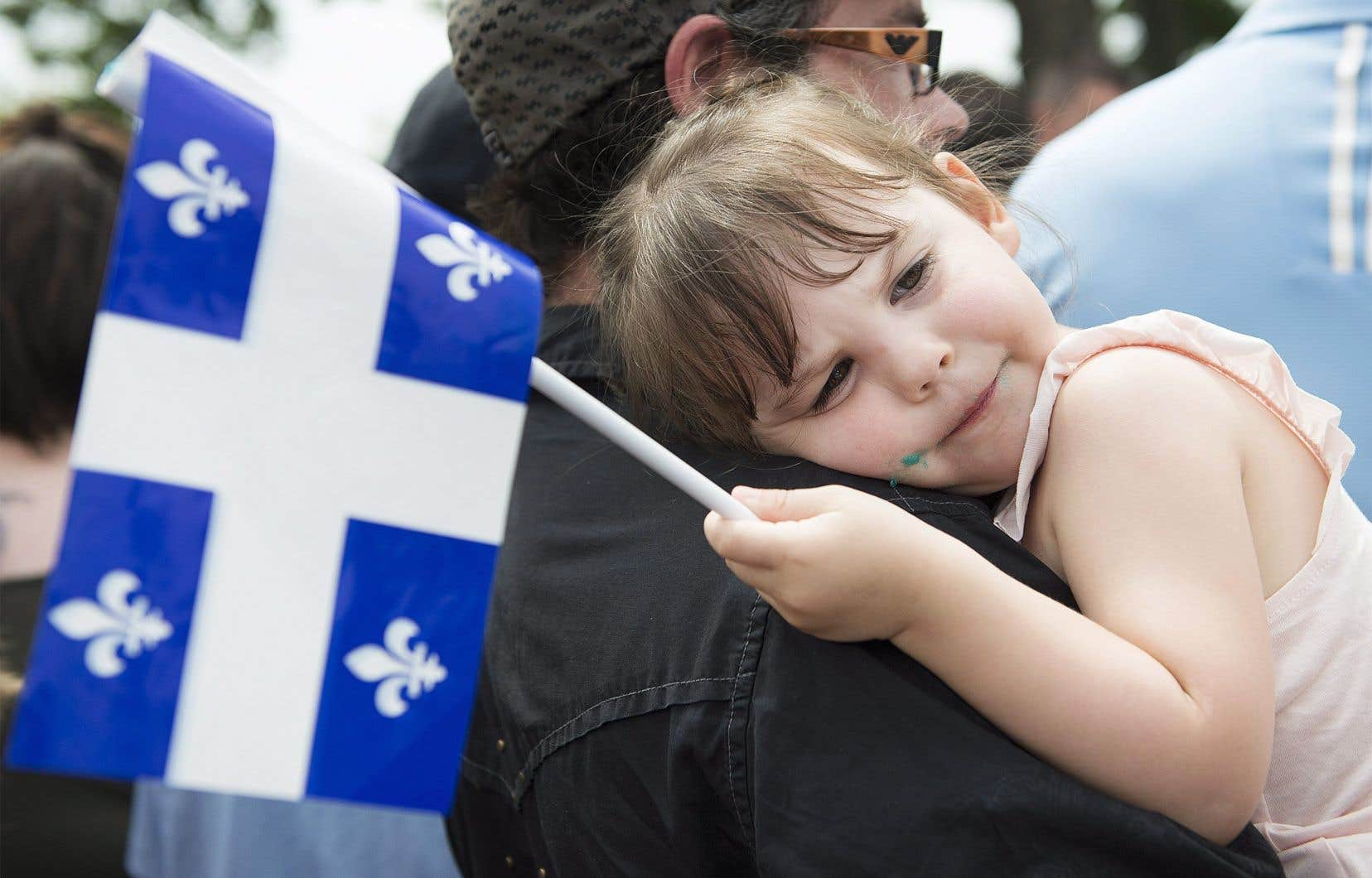 Plusieurs cérémonies de lever du drapeau ont eu lieu dimanche et ont permis de souligner les 70ans du fleurdelisé.
