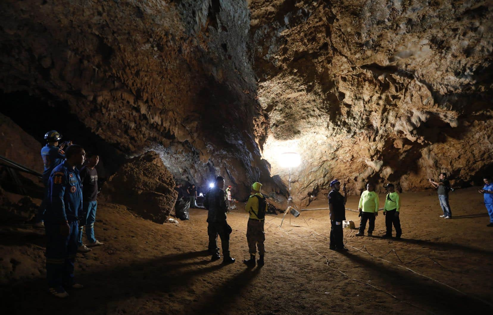 La grotte Tham Luang Nang Nonattire les touristes, mais peut être le site d'inondations graves pendant la saison des pluies, entre juin et octobre.