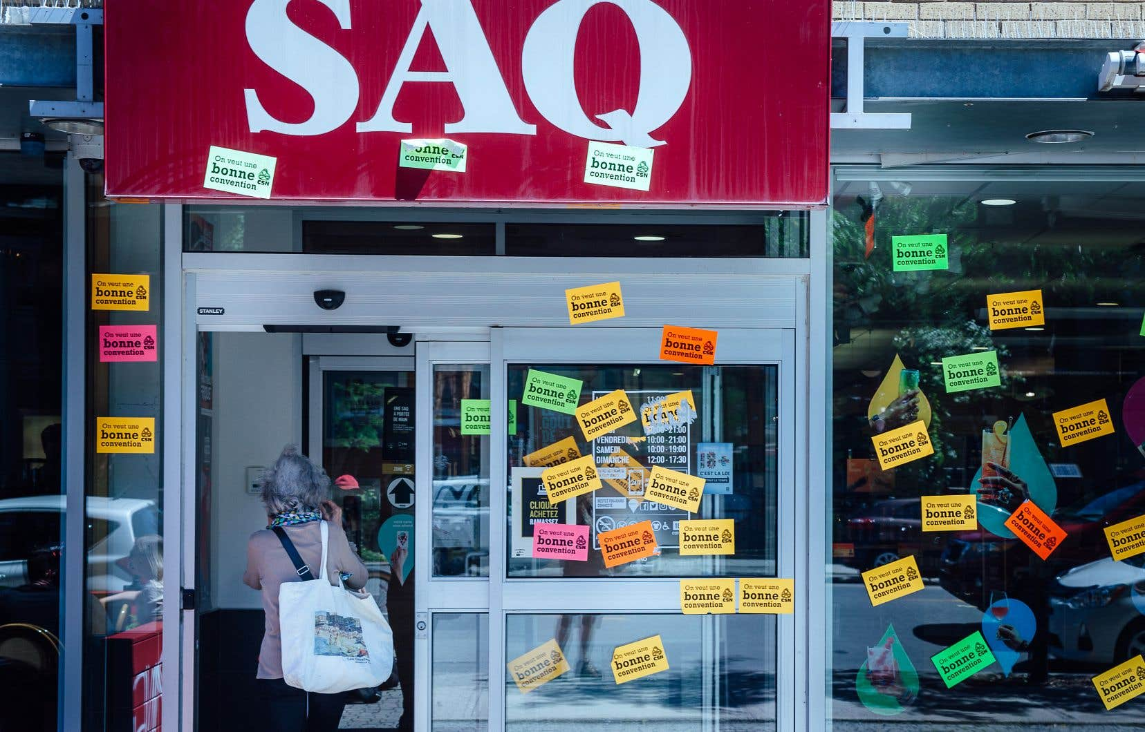Les employés des magasins et des bureaux de la SAQ sont sans convention collective depuis le 31mars 2017.