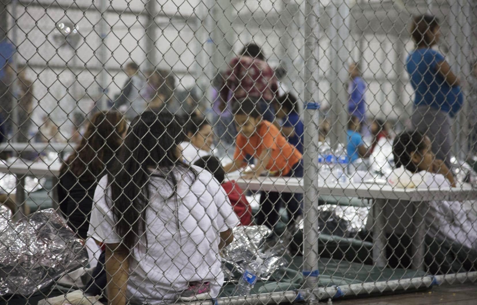 La diffusion d'images montrant des enfants en cage est intolérable et ne manque pas d'éveiller nos sensibilités et nos consciences, soutient l'auteure.