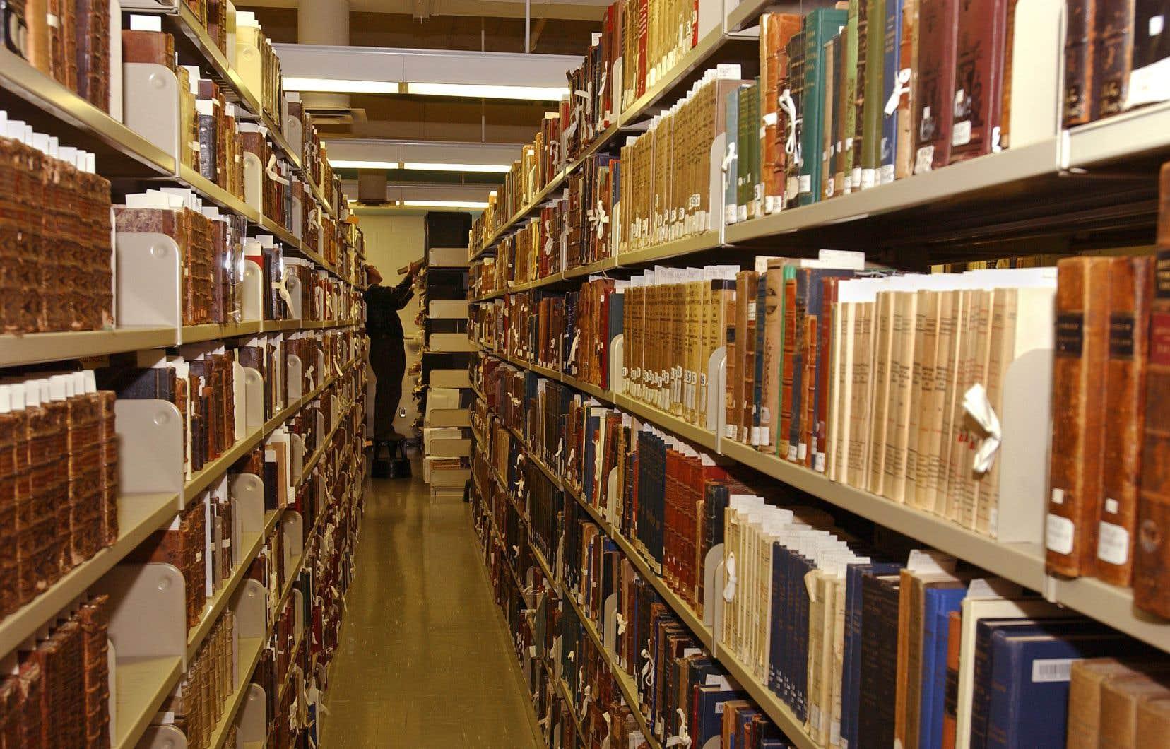 Étranglées par les coûts d'abonnement aux revues scientifiques, les bibliothèques de l'Université de Montréal n'ont acheté pratiquement aucun livre en 2014.