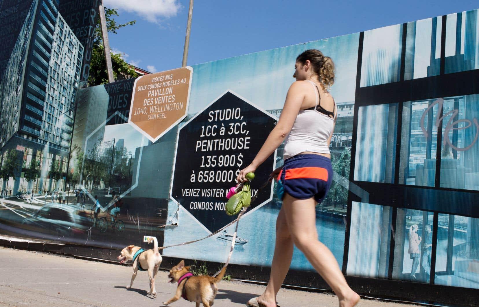 Plus de 42% des nouveaux acheteurs de logement dans la région de Montréal estiment que les investisseurs étrangers ont beaucoup d'influence sur la hausse du prix des maisons, selon une étude.