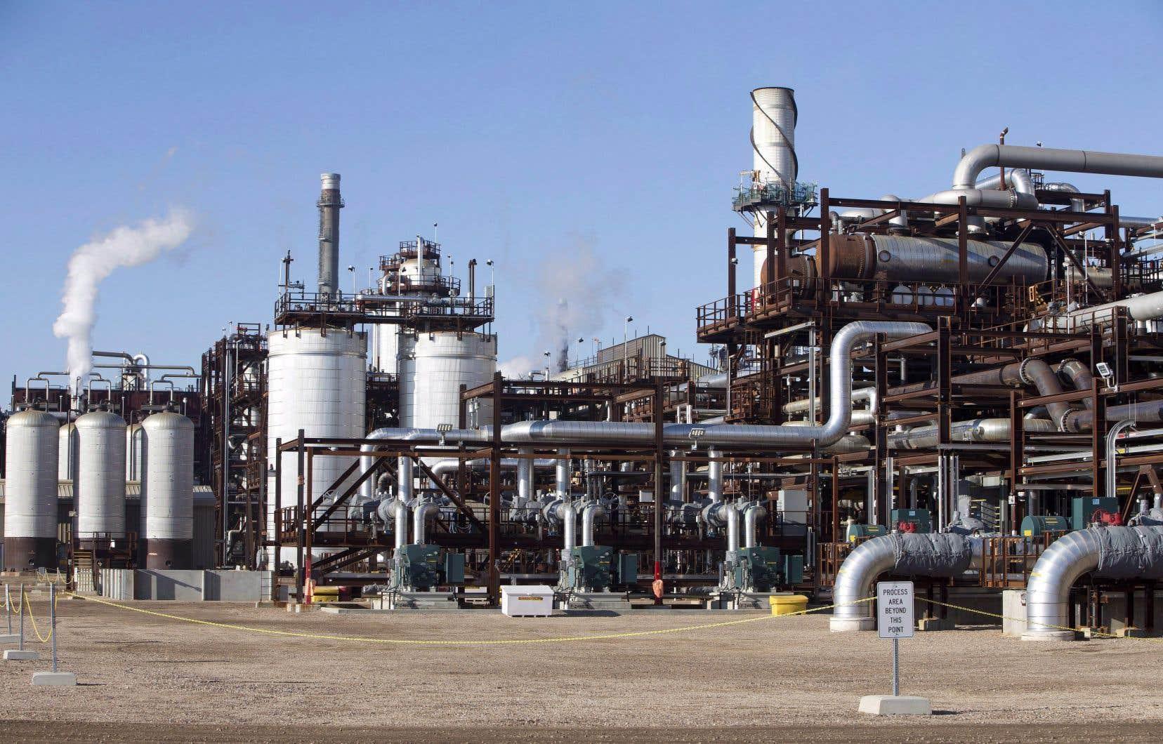 Selon une étude, une taxe carbone à 50$ la tonne — ce que le gouvernement Trudeau vise pour 2022 — aurait pour effet de réduire le produit intérieur brut de la Saskatchewan de 2,4%.