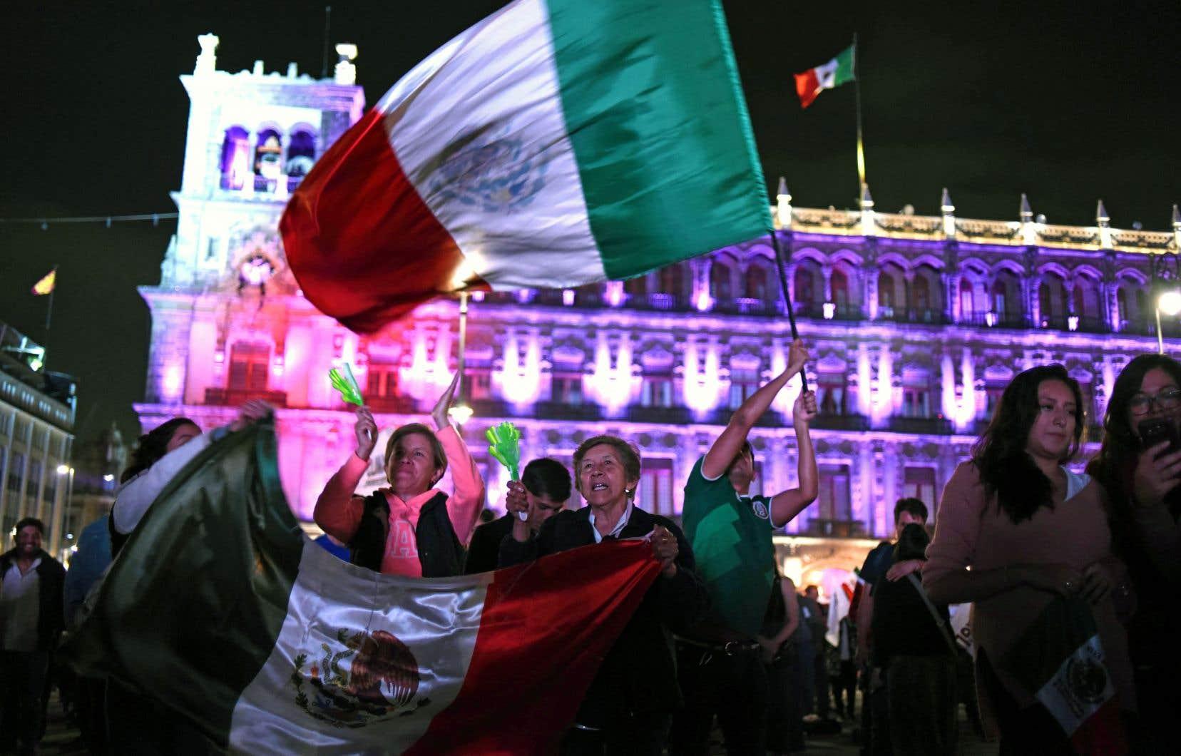 Andrés Manuel Lopez Obrador a remporté dimanche une victoire écrasante à l'élection présidentielle au Mexique.