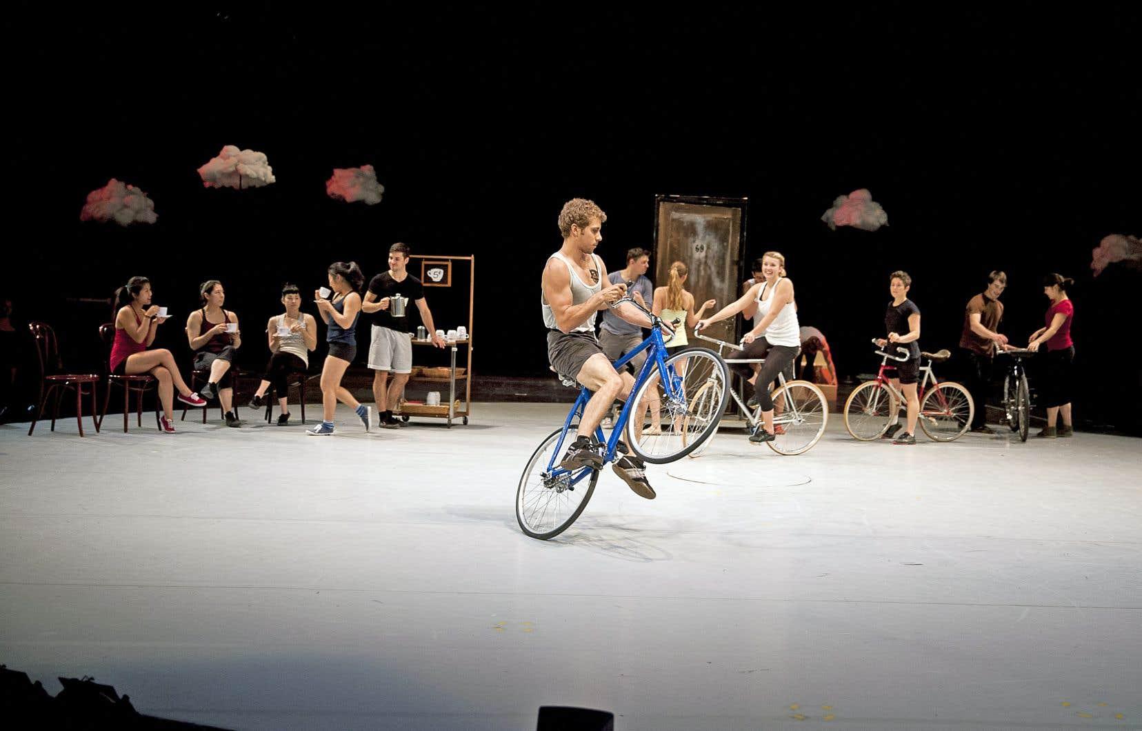 À l'heure actuelle, seulement 40% des élèves de l'École nationale de cirqueproviennent du Québec.