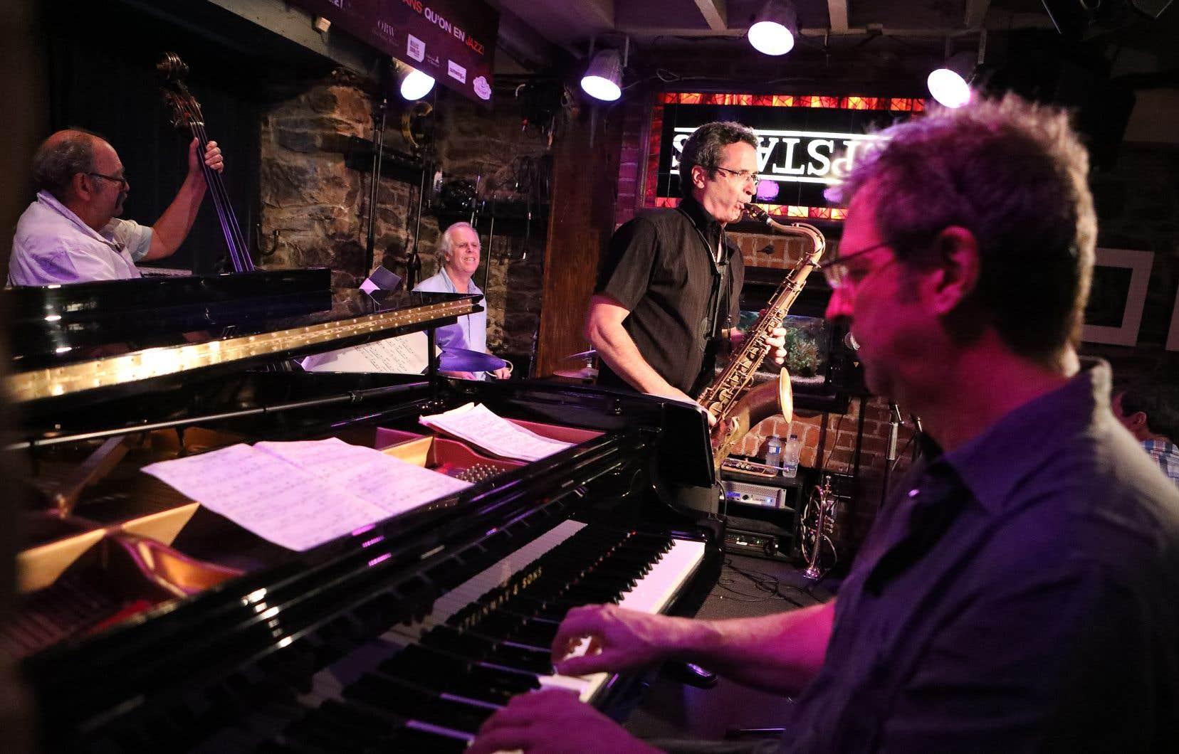 Le quartet composé de François Bourassa (piano), Frank Lozano (saxophone ténor), Pierre Tanguay (batterie) et Michel Donato (contrebasse)