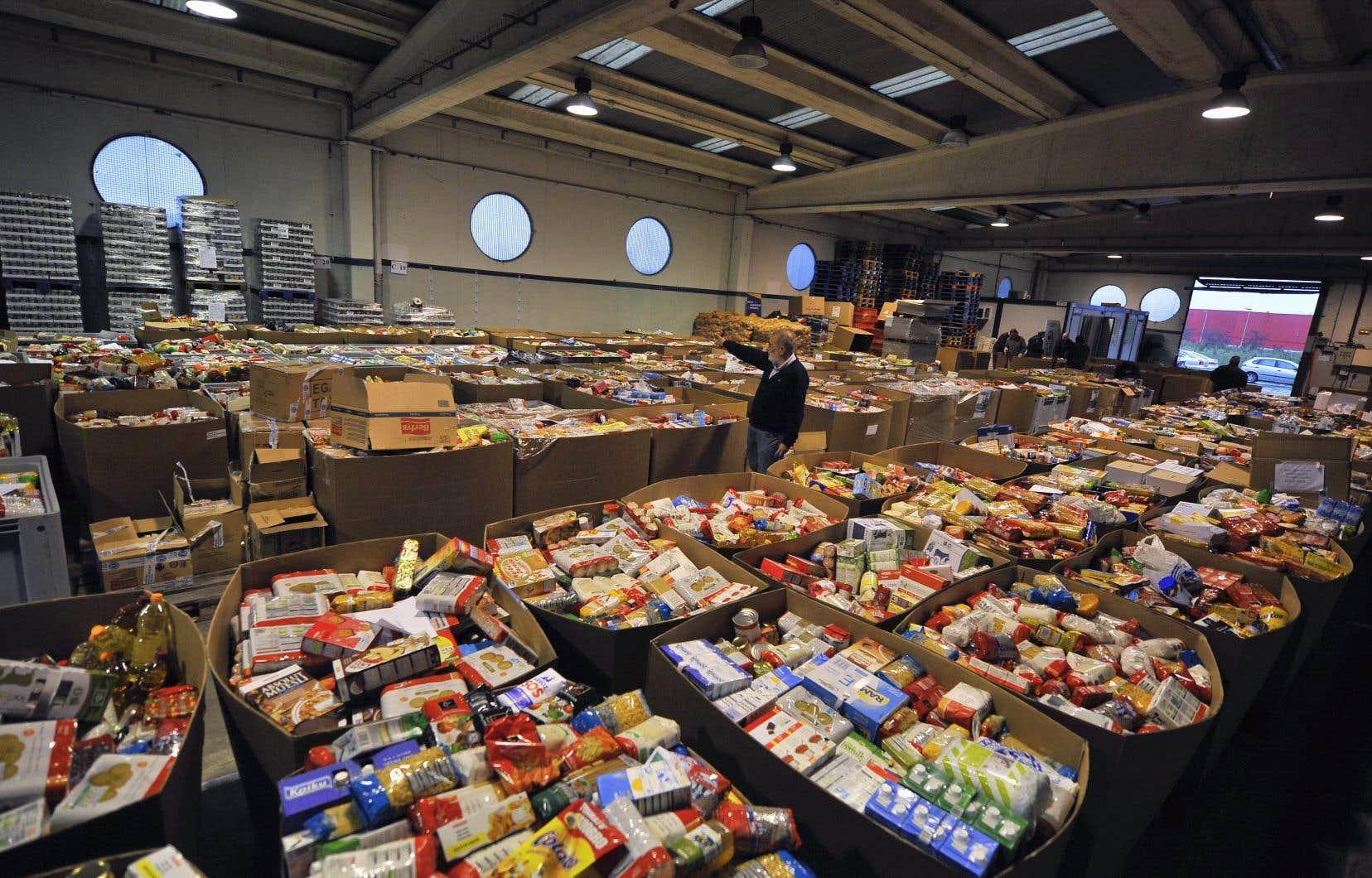 «Plus de 850000 Canadiens ont recours aux banques alimentaires et leur nombre augmente constamment», rapportent les auteurs.