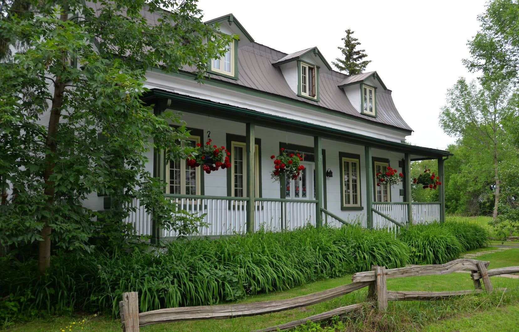 Les maisons dites contemporaines sont plus faciles à assurer que les maisons patrimoniales, car les réparations sont moins complexes à exécuter.