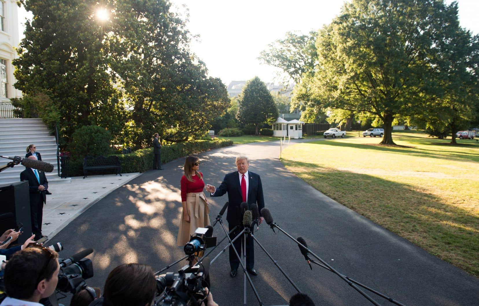 «Il y a l'OTAN, le Royaume-Uni […] et il y a Poutine», a énuméré le président américain, des jardins de la Maison-Blanche, avant d'embarquer pour une tournée européenne de plus d'une semaine. «Franchement, Poutine pourrait être le plus facile de tous. Qui l'aurait pensé…»