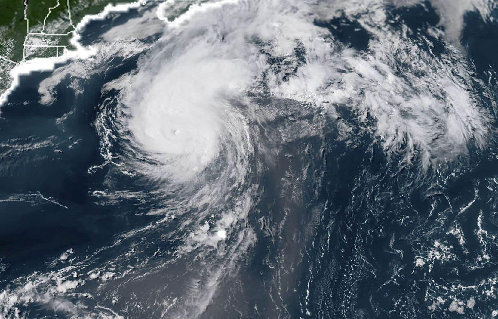 L'ouragan «Chris»capté mercredi soir par un satellite de la National Oceanic and Atmospheric Administration, au large de la côte est américaine.