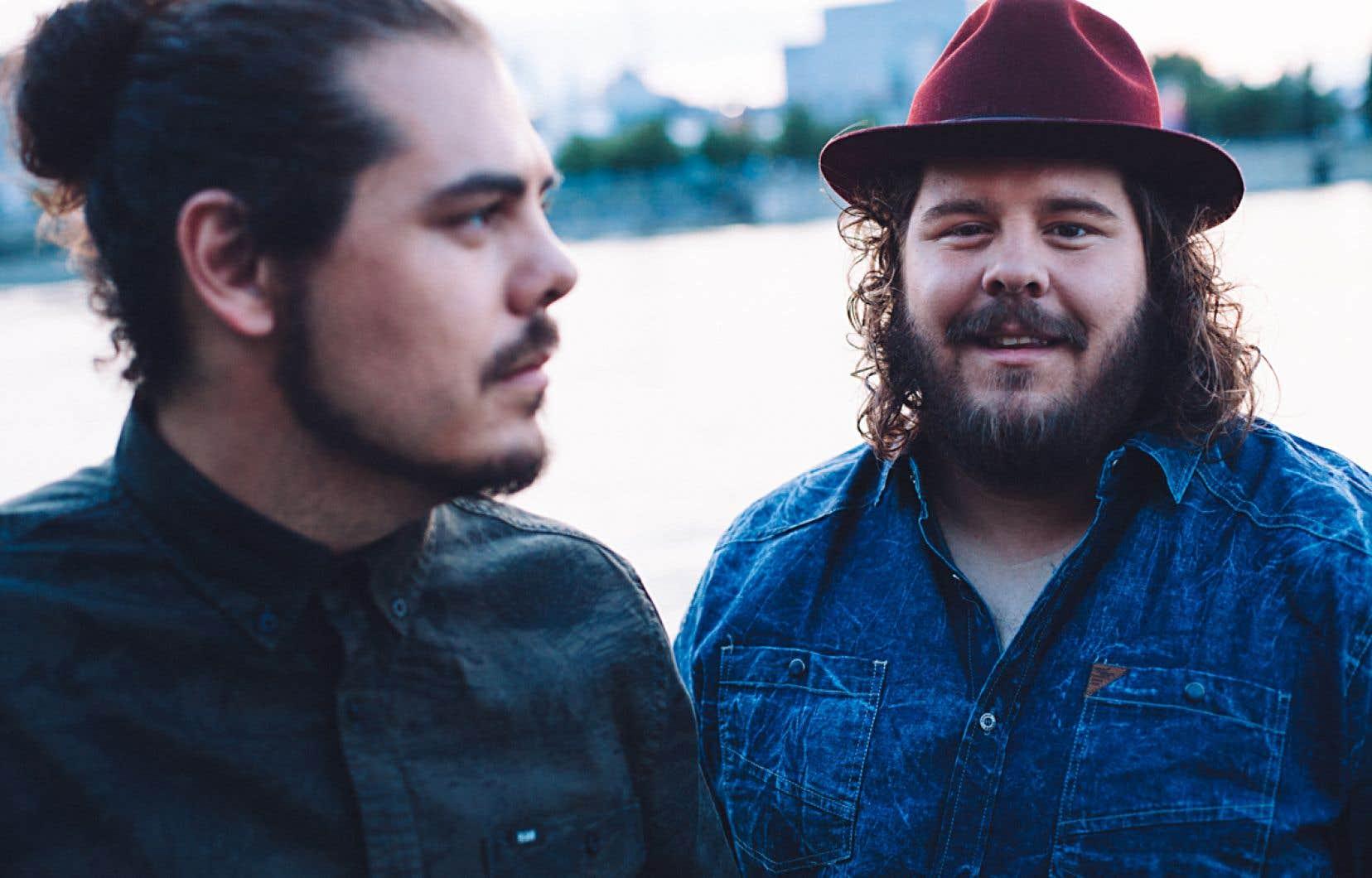 Le duo 2frères a vendu 120 000 exemplaires de son premier disque, puis 40 000 de son second, «La route», paru en novembre.