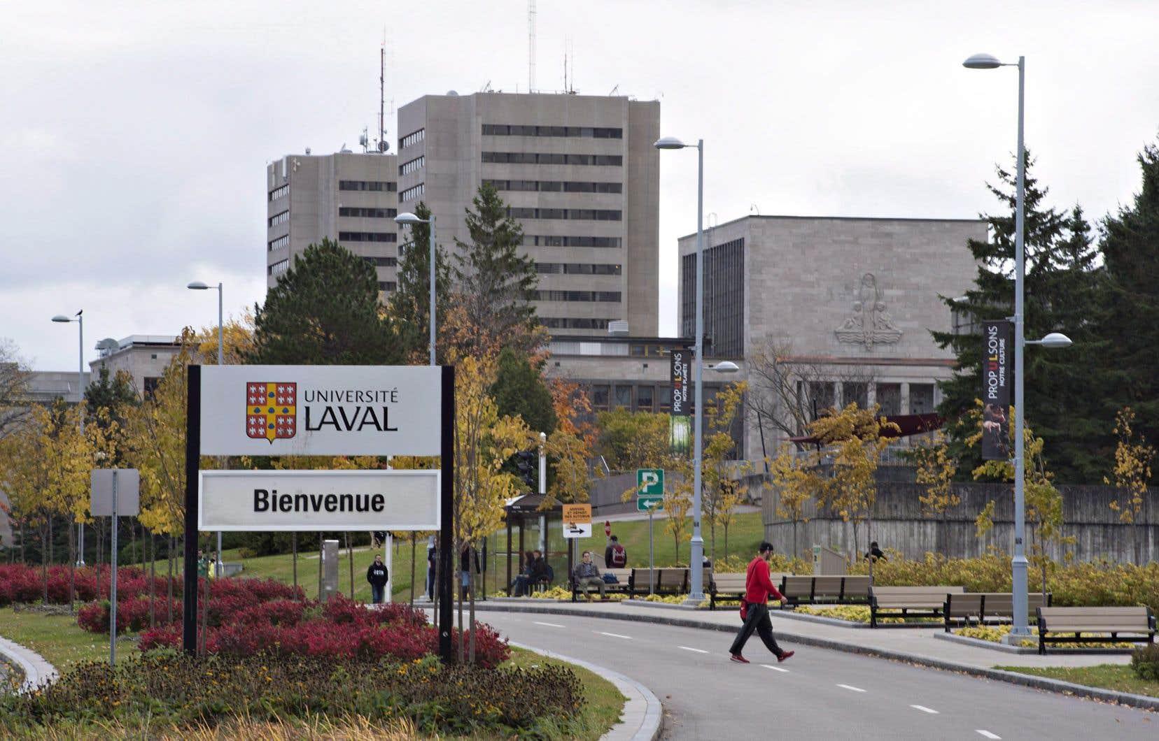 L'Université Laval s'engage à contracter la licence générale universitaire 2017-2021 de Copibec à partir du 1erjuin 2018, ainsi que celle de 2014-2017, rétroactivement.