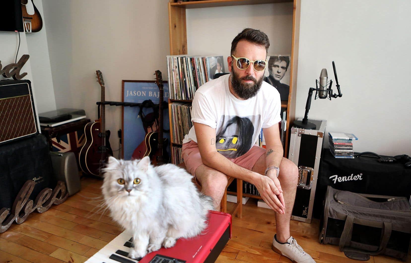 Comme artiste, Jason Bajada est lui-même régulièrement interviewé, mais là, c'est lui qui avait envie de poser des questions.