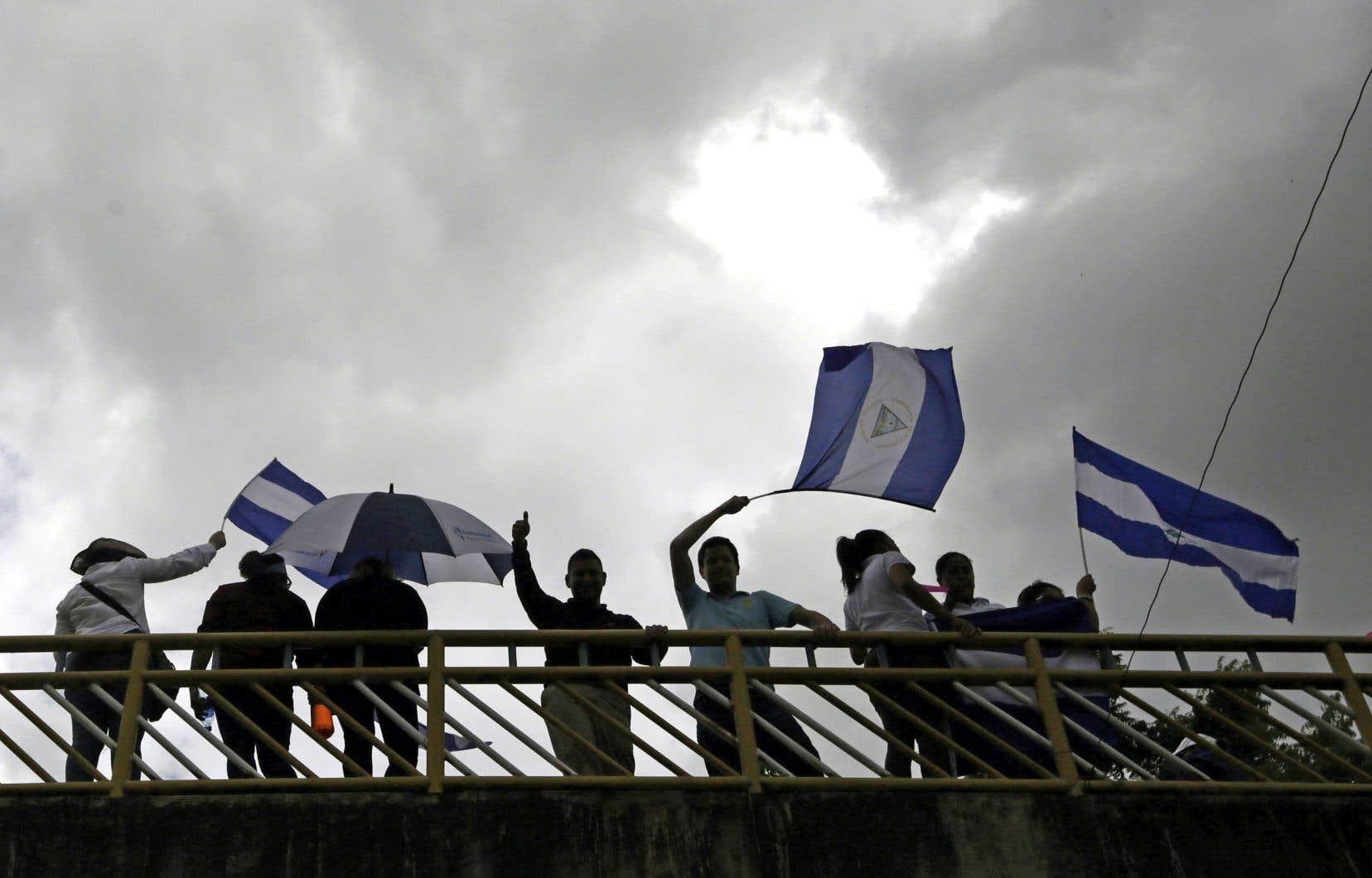 Le mouvement de protestation s'est poursuivi jeudi alors que des manifestants se sont mobilisés à travers le pays, notamment à Managua (photo).